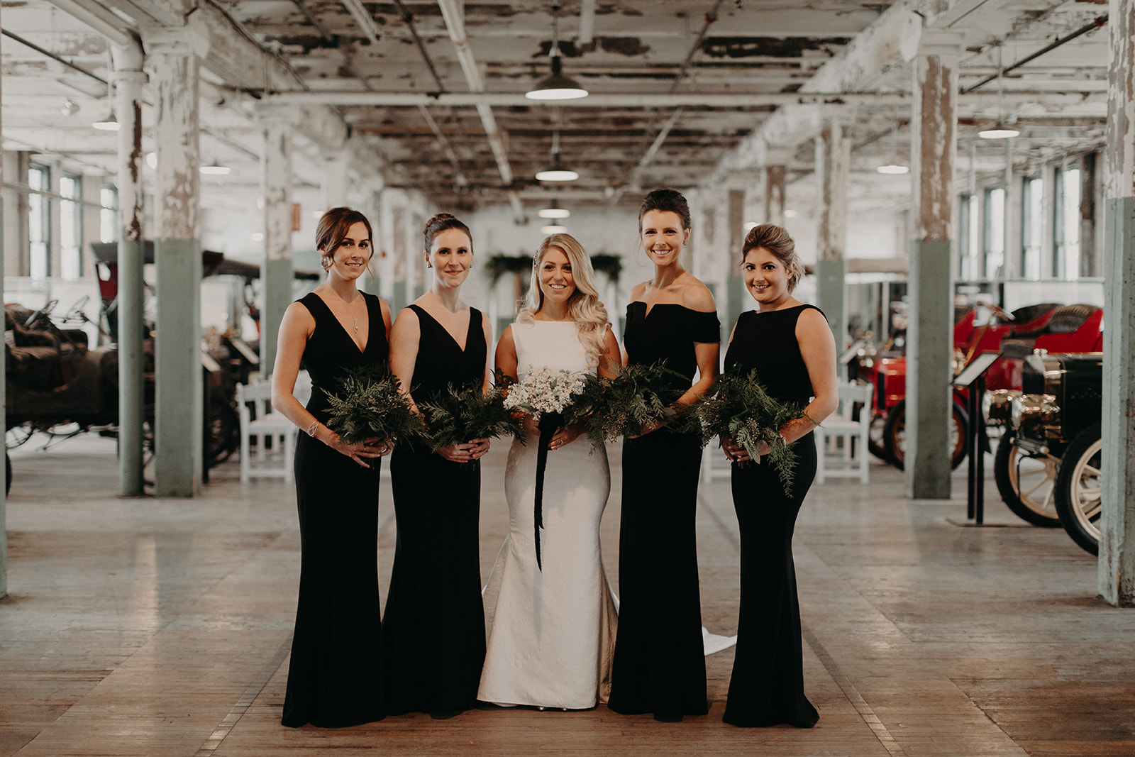 custom wedding planners detroit michigan event design paper goods florals bridal party bridesmaids bouquets