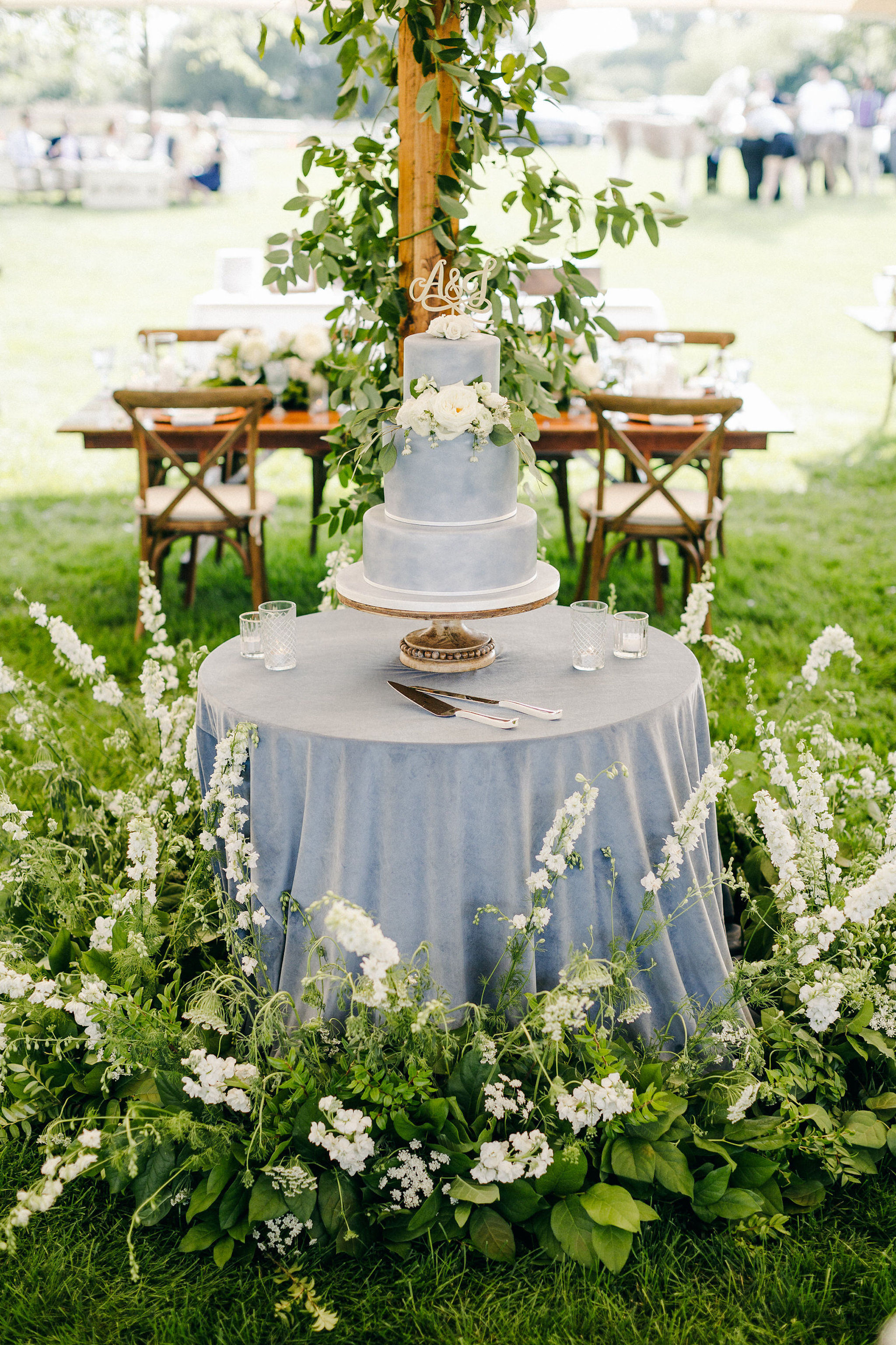custom wedding planner ann arbor michigan event design florals bridesmaids bouquets farm outdoor sail tent cake table