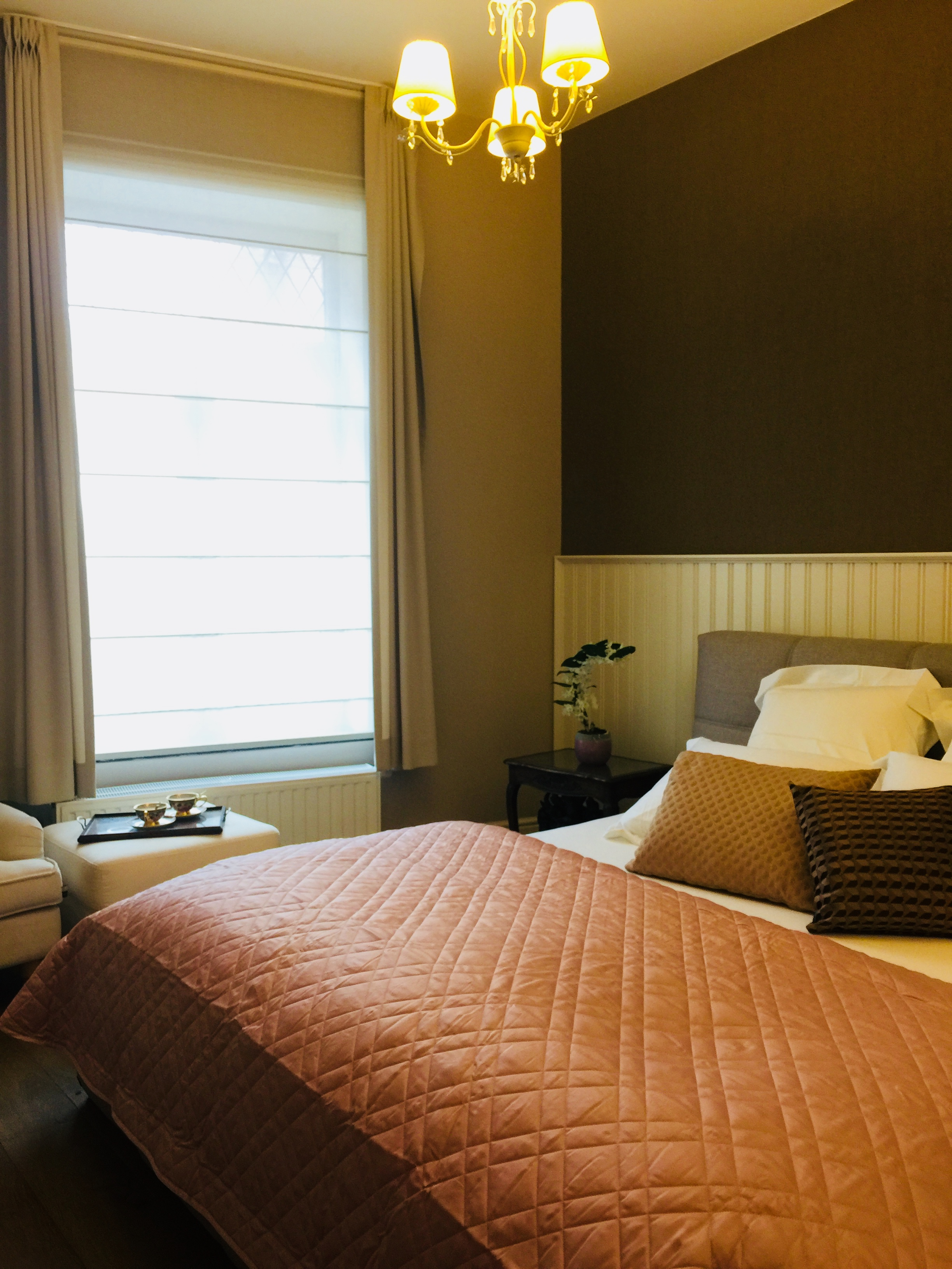 hotel bed and breakfast . coffee shop in Belgium Borgloon