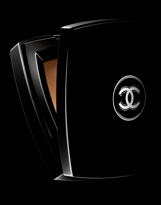 tom-medvedich-still-life-cosmetics-compact-chanel-black-01.jpg