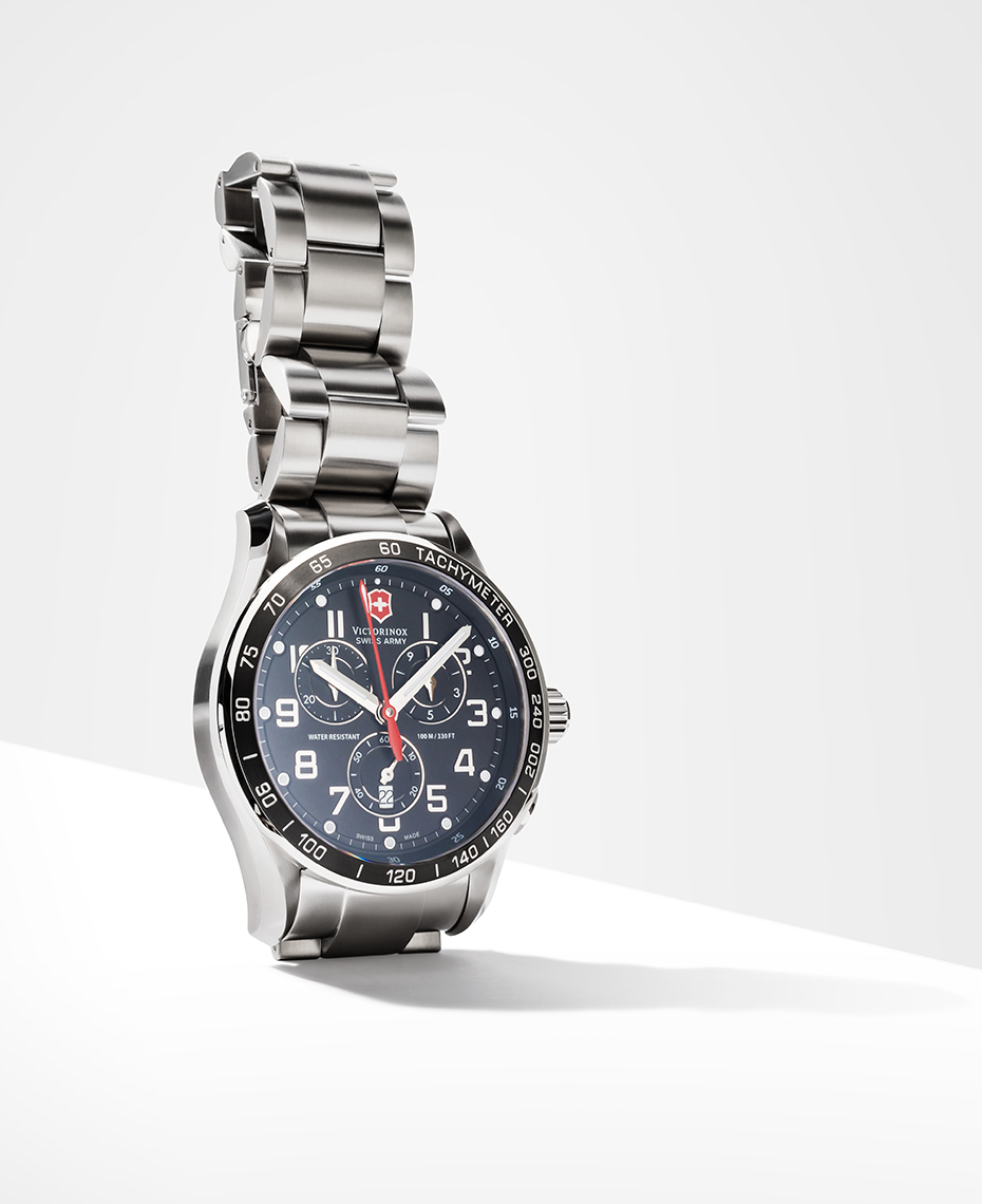 tom-medvedich-still-life-jewelry-watches-victorinox-chrono-02.jpg