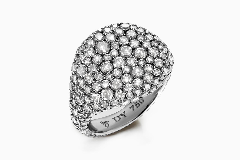 tom-medvedich-still-life-jewelry-watches-david-yurman-pave-ring-01.jpg