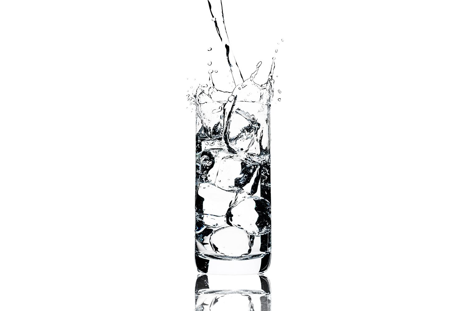 tom-medvedich-still-life-beverages-water-glass-splash-web-new.jpg