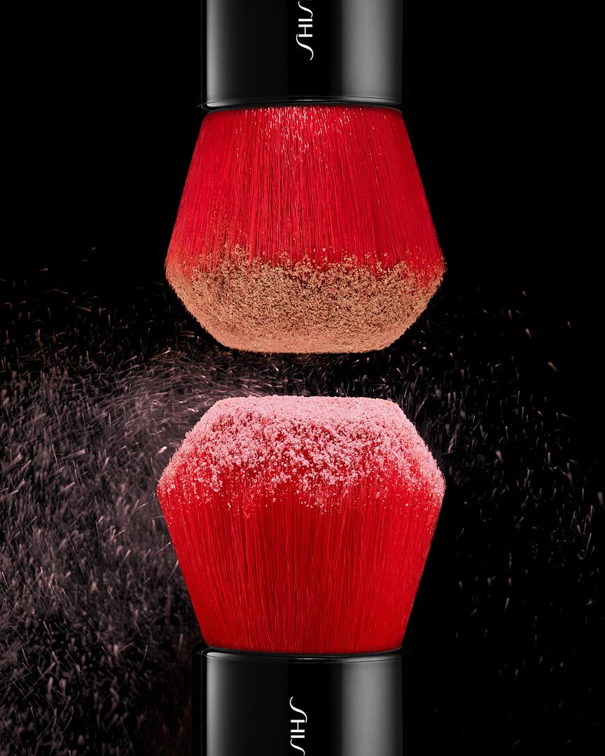 tom-medvedich-still-life-cosmetics-shiseido-Daiya-Fude-Face-Duo.jpg