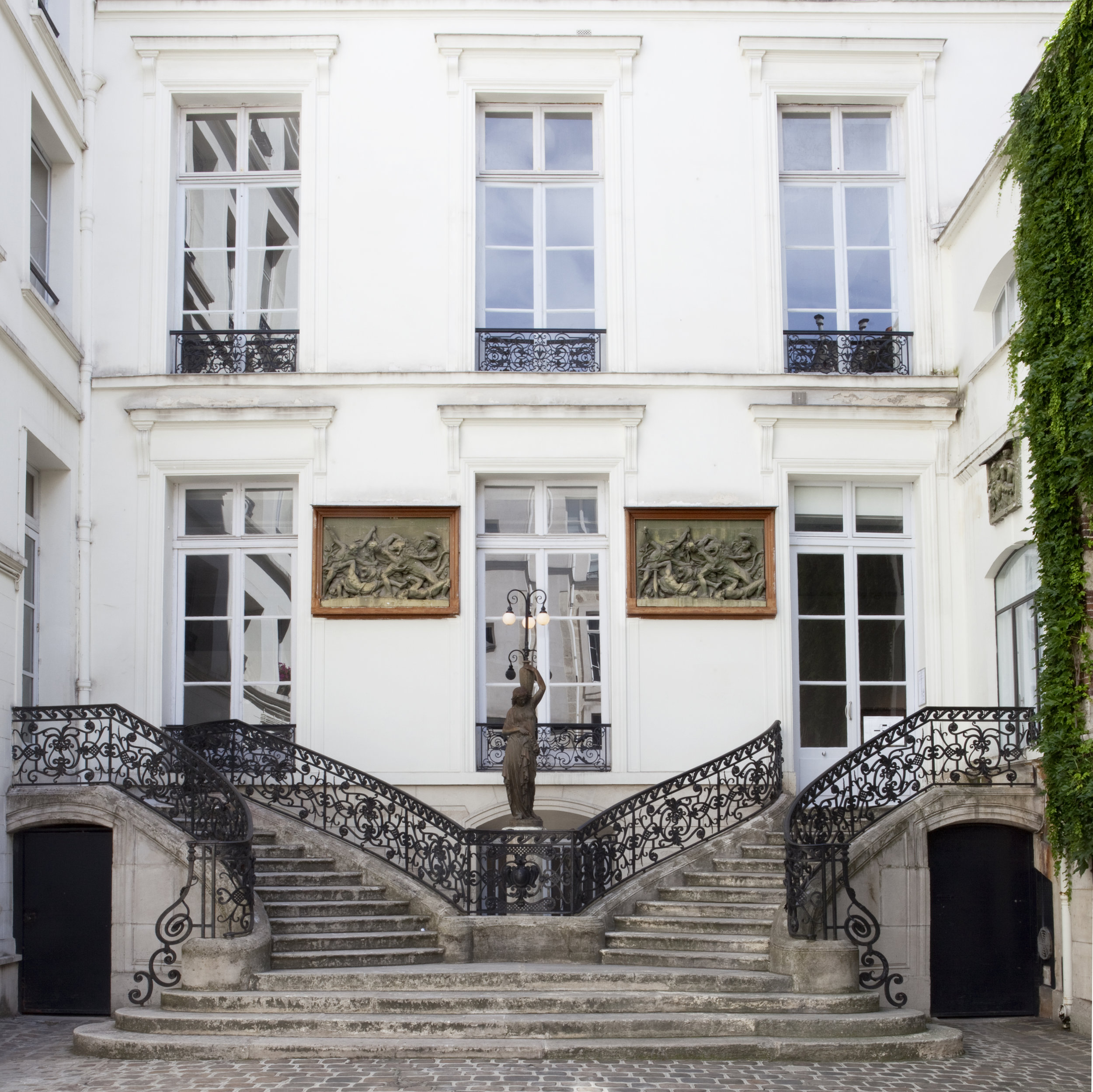 _Galerie_Perrotin_Paris.jpg