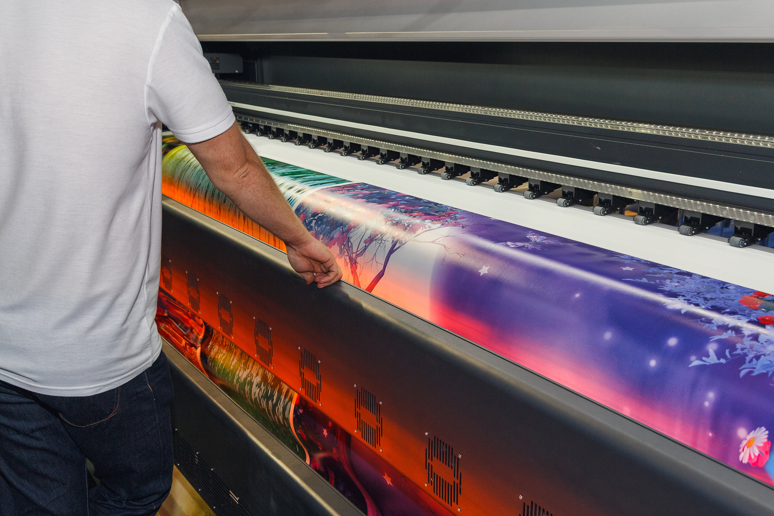 large-format-digital-printing-services-malvern-worcestershire-red-penguin-uk