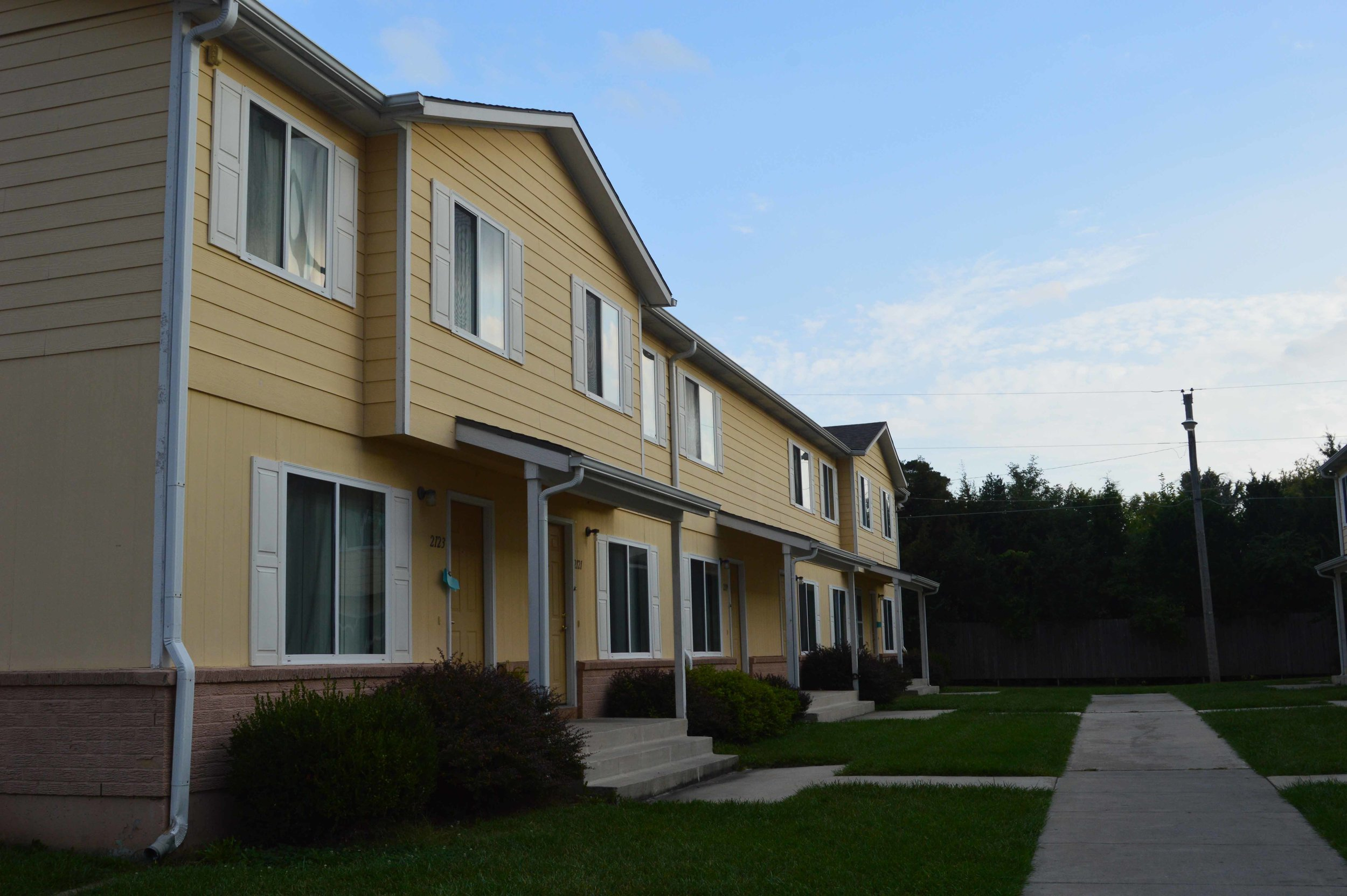 Paradise Plaza Townhomes   Client: Dan Jackson Architect: Knight and Remmele