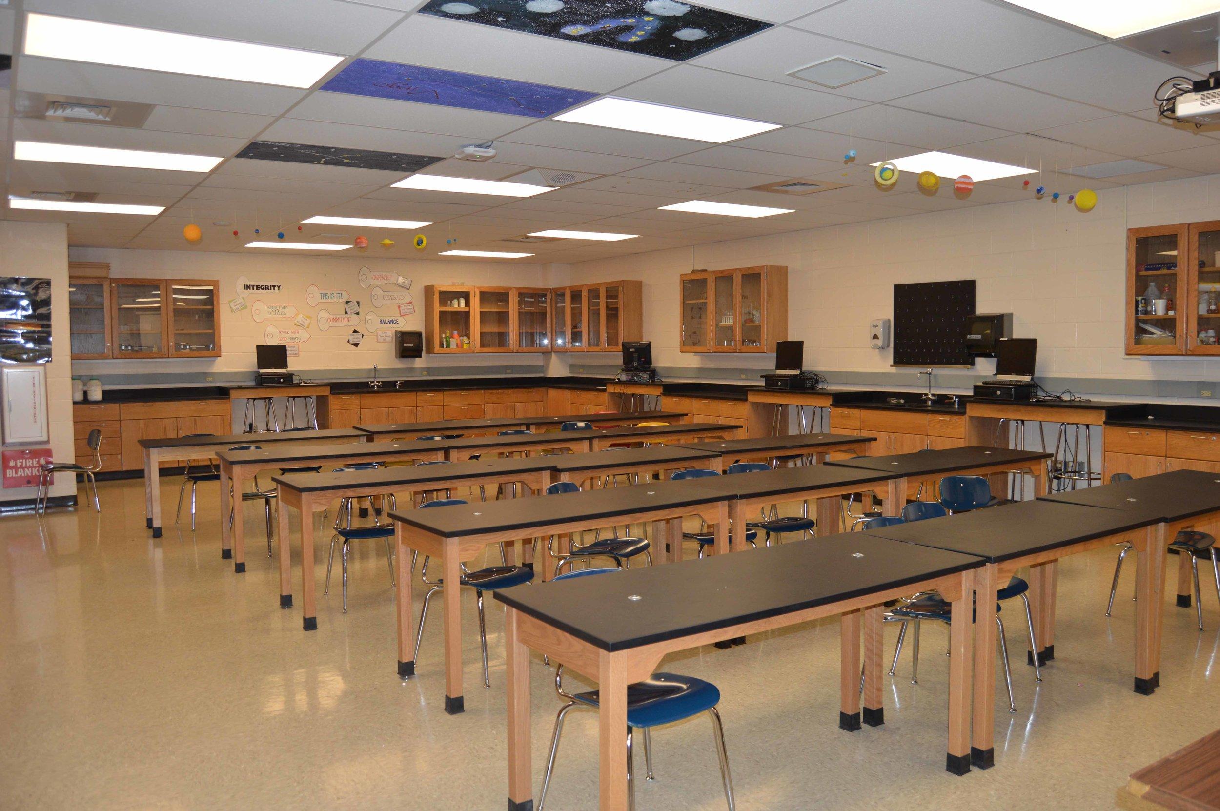 Shawnee Heights High School Science Labs   Client: USD450 Shawnee Heights Architect: GLPM, Inc.