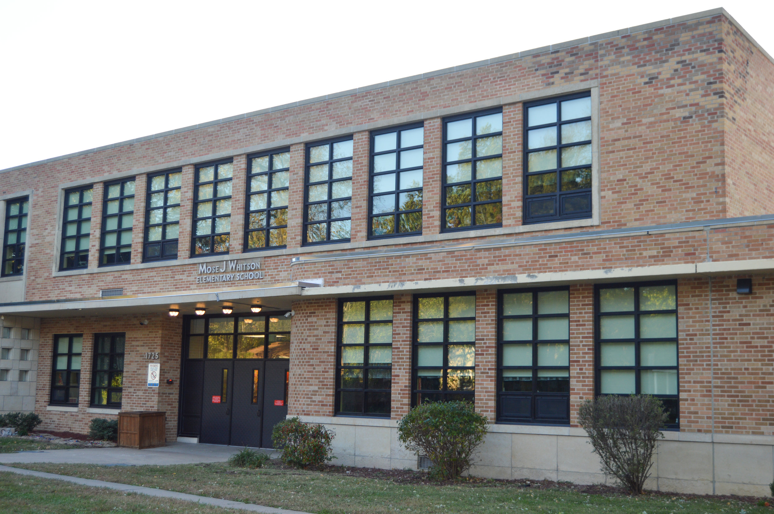 Whitson Elementary Window Replacement   Client: USD 501 Topeka Public Schools Architect: TreanorHL