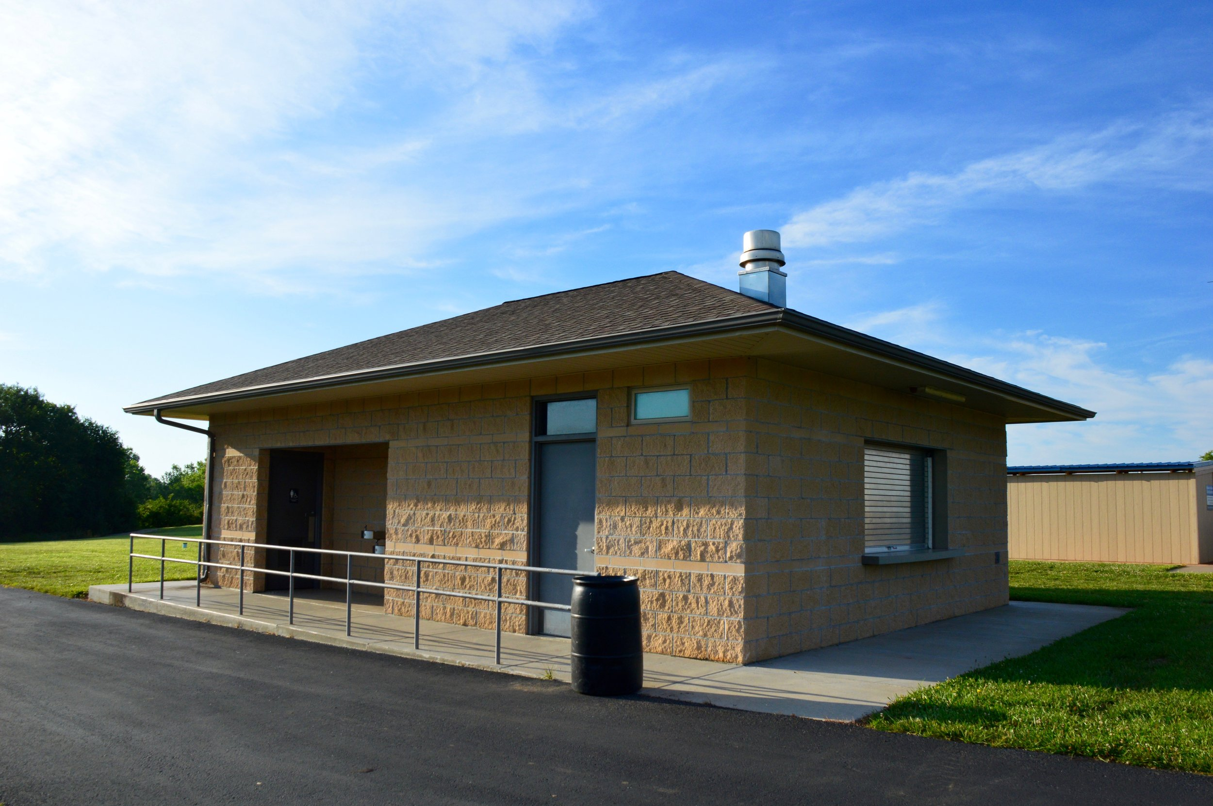 USD 437 Softball Facility   Client: USD 437 Auburn Washburn Architect: HTK Architects