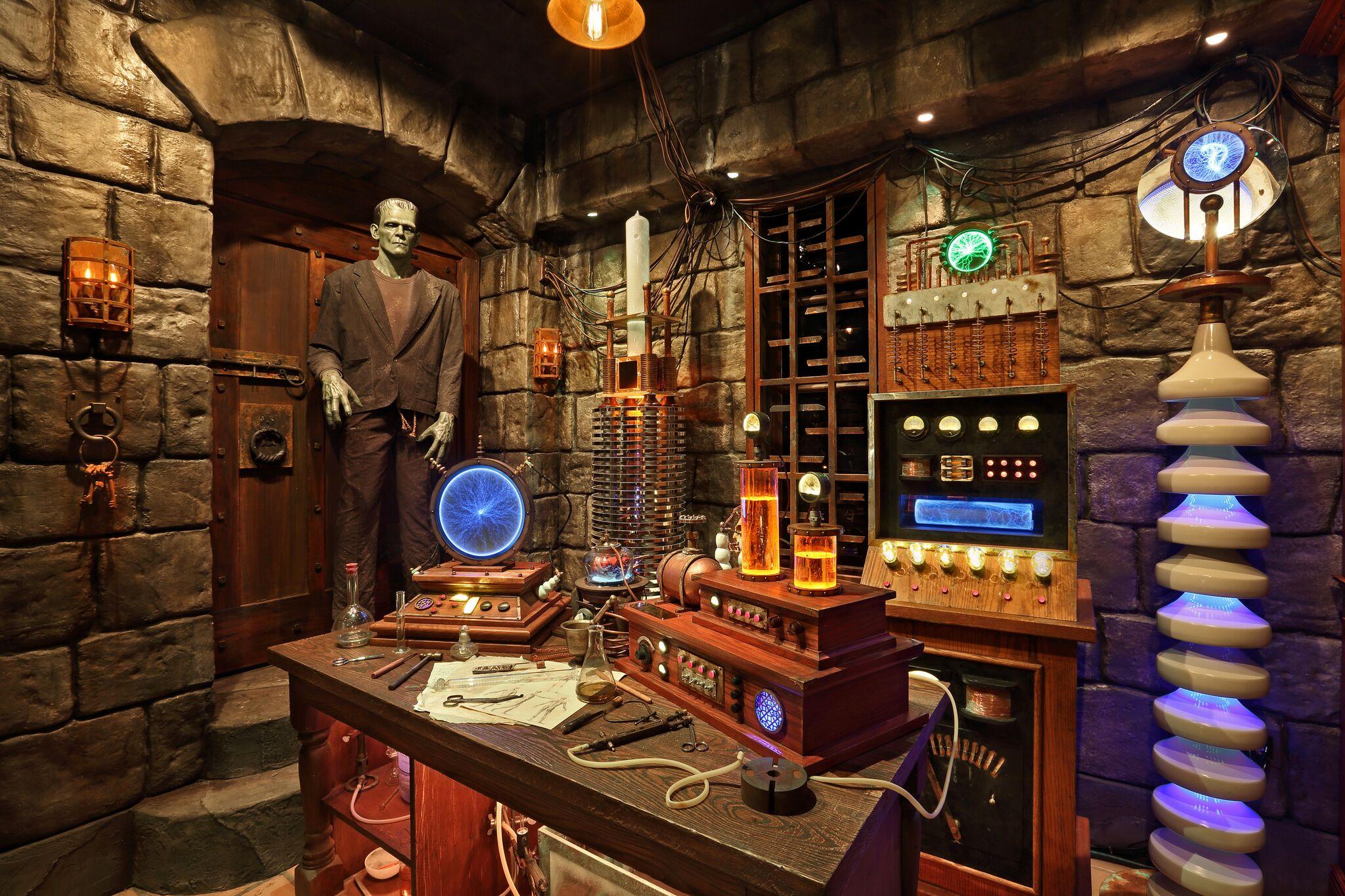 Frankenstein's Lab - Universal Studios Hollywood