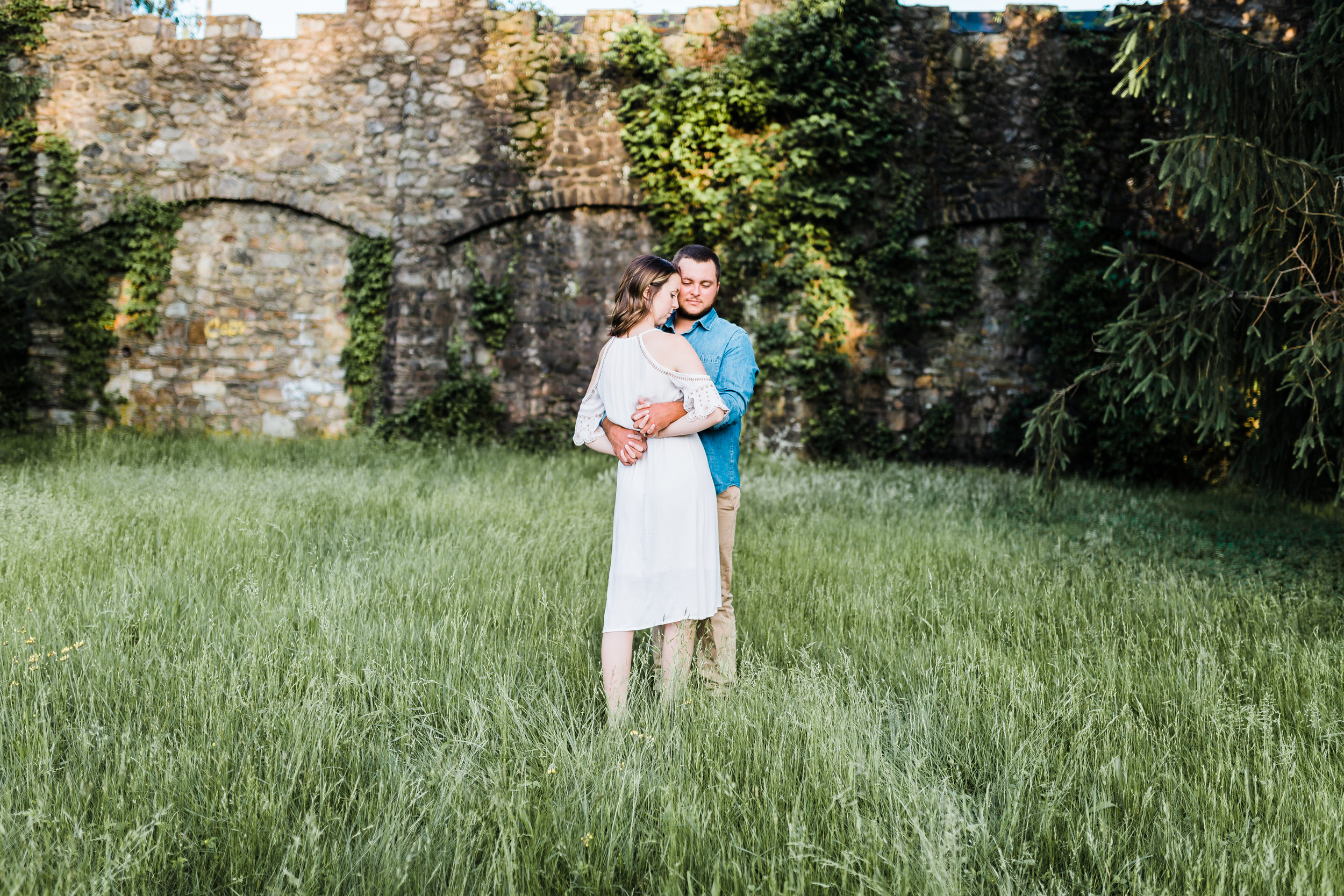 romantic pose in front of historic fort ritchie in cascade md