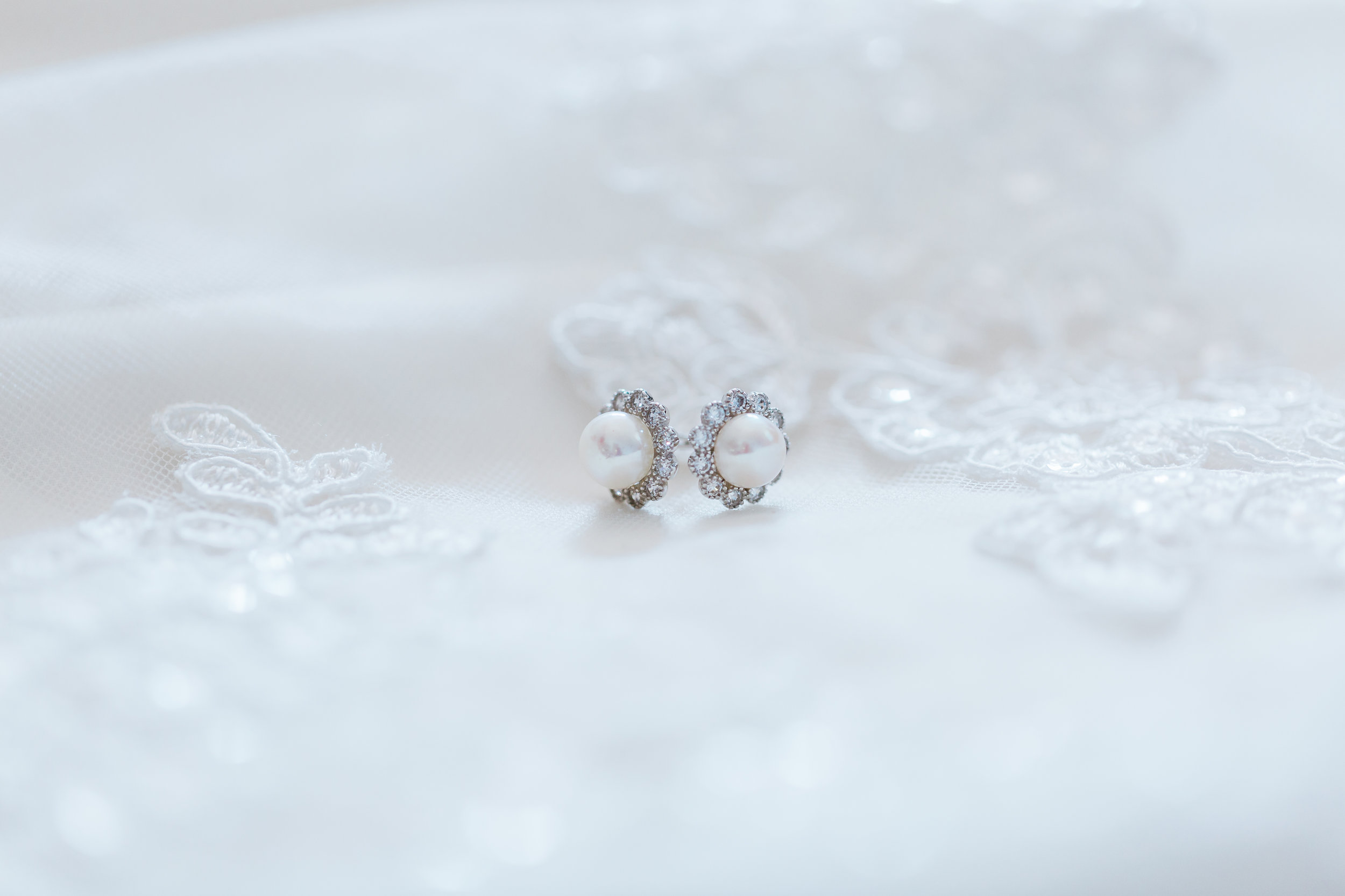 maryland bridal details - pearl bride earrings - best maryland wedding photographer
