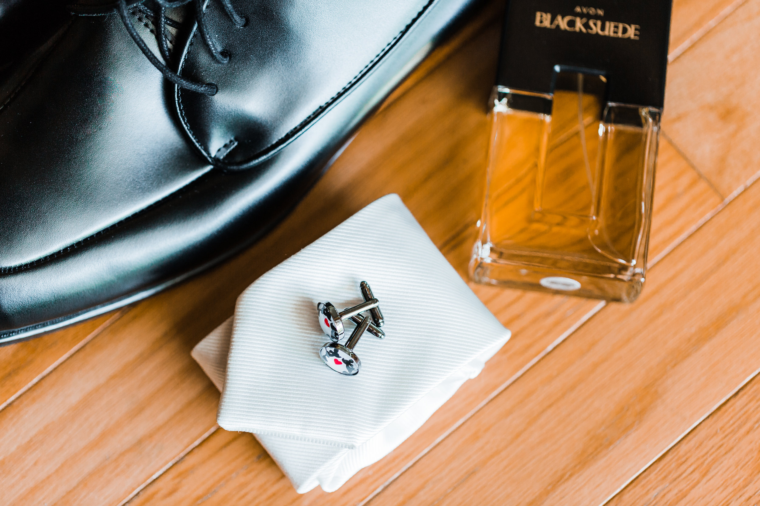 grooms details on wedding day in pasadena maryland - celebrations at the bay - groom gift ideas - best md wedding photographer - disney inspired wedding