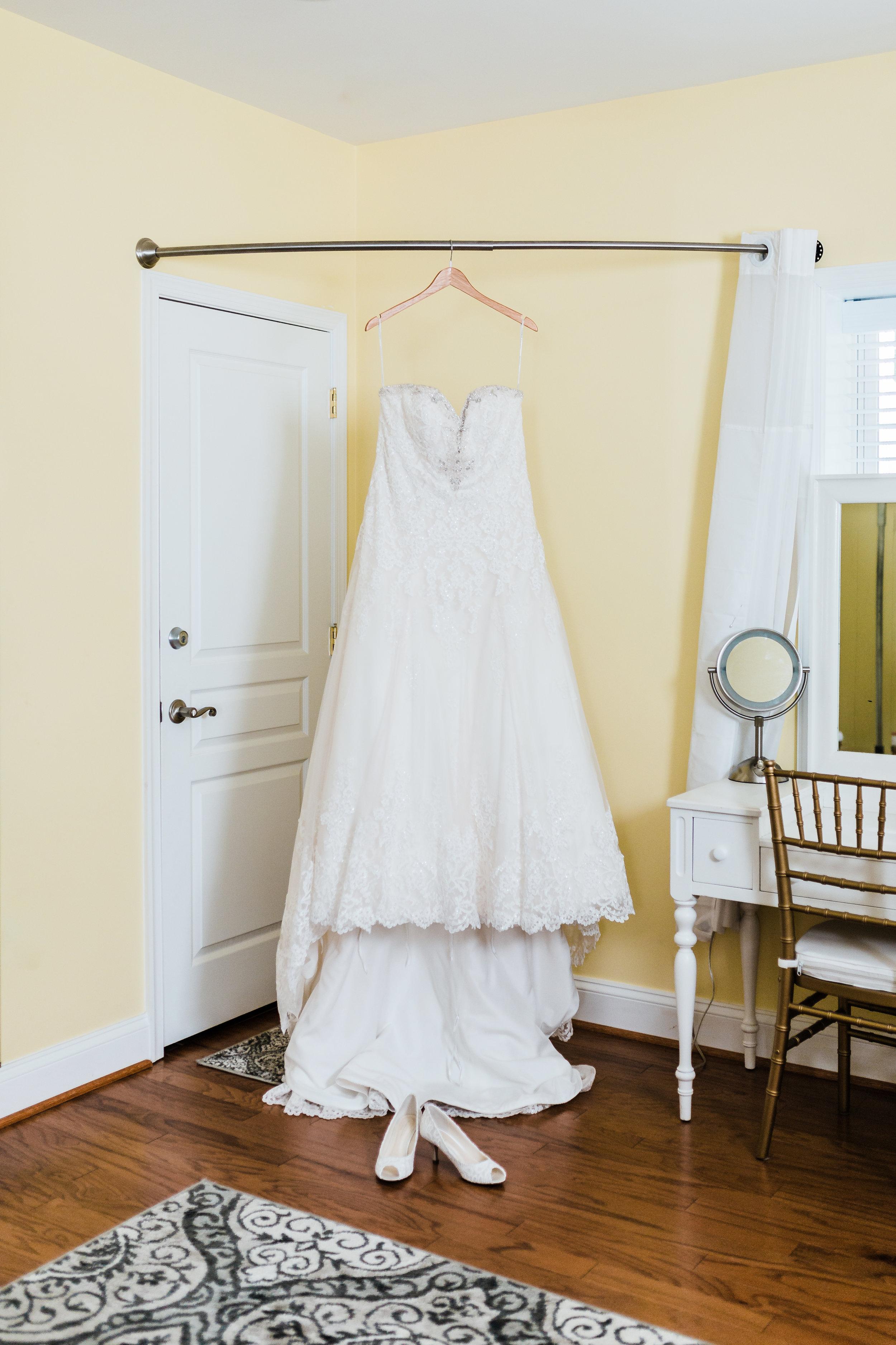 brides wedding gown details - kurtz's beach wedding - pasadena md wedding photography