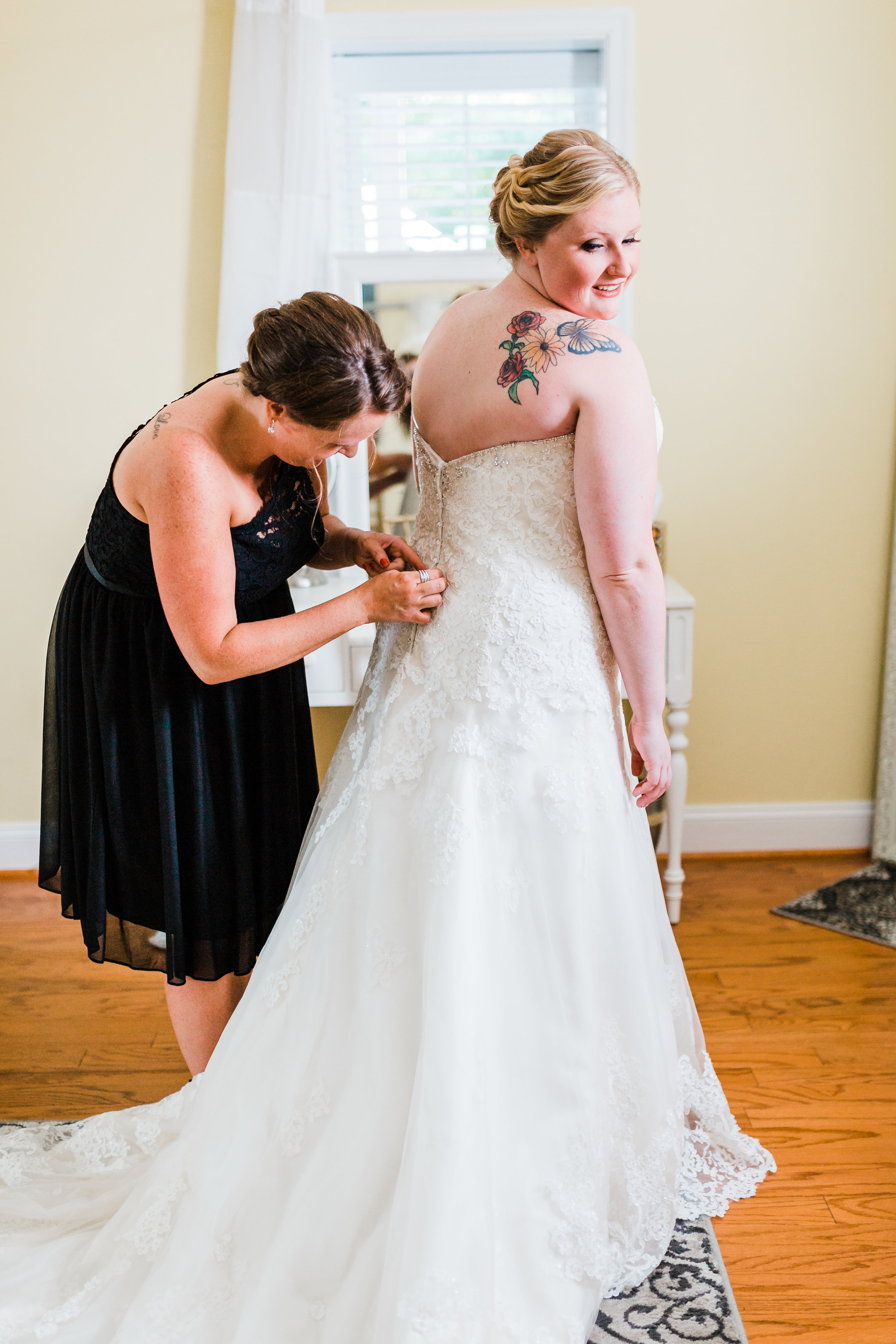 waterfront wedding venues in maryland - wedding venues in md with a bridal suite - bridal cottage - best maryland wedding photographer