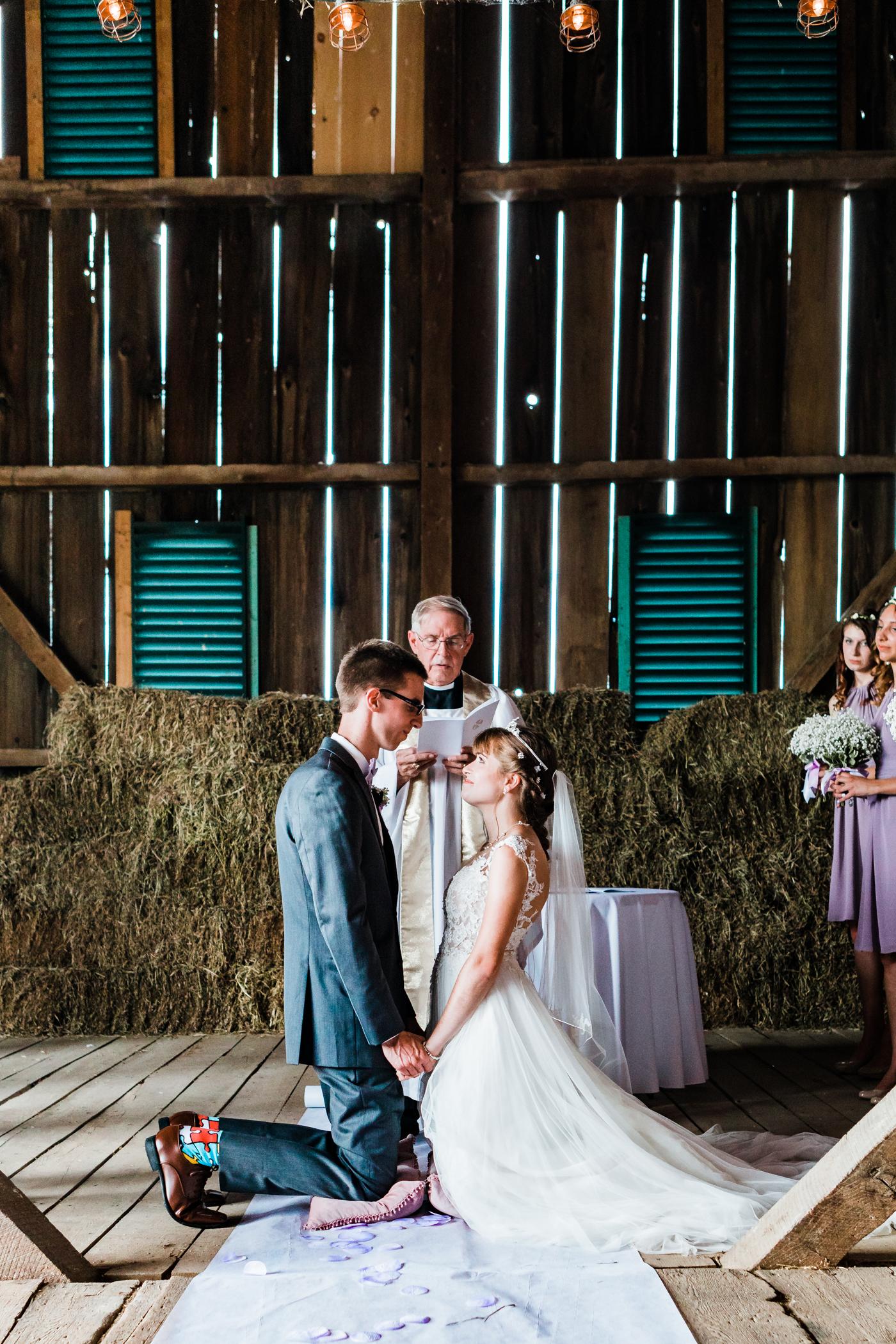 non traditional wedding ceremony ideas - maryland wedding - barn venues in maryland