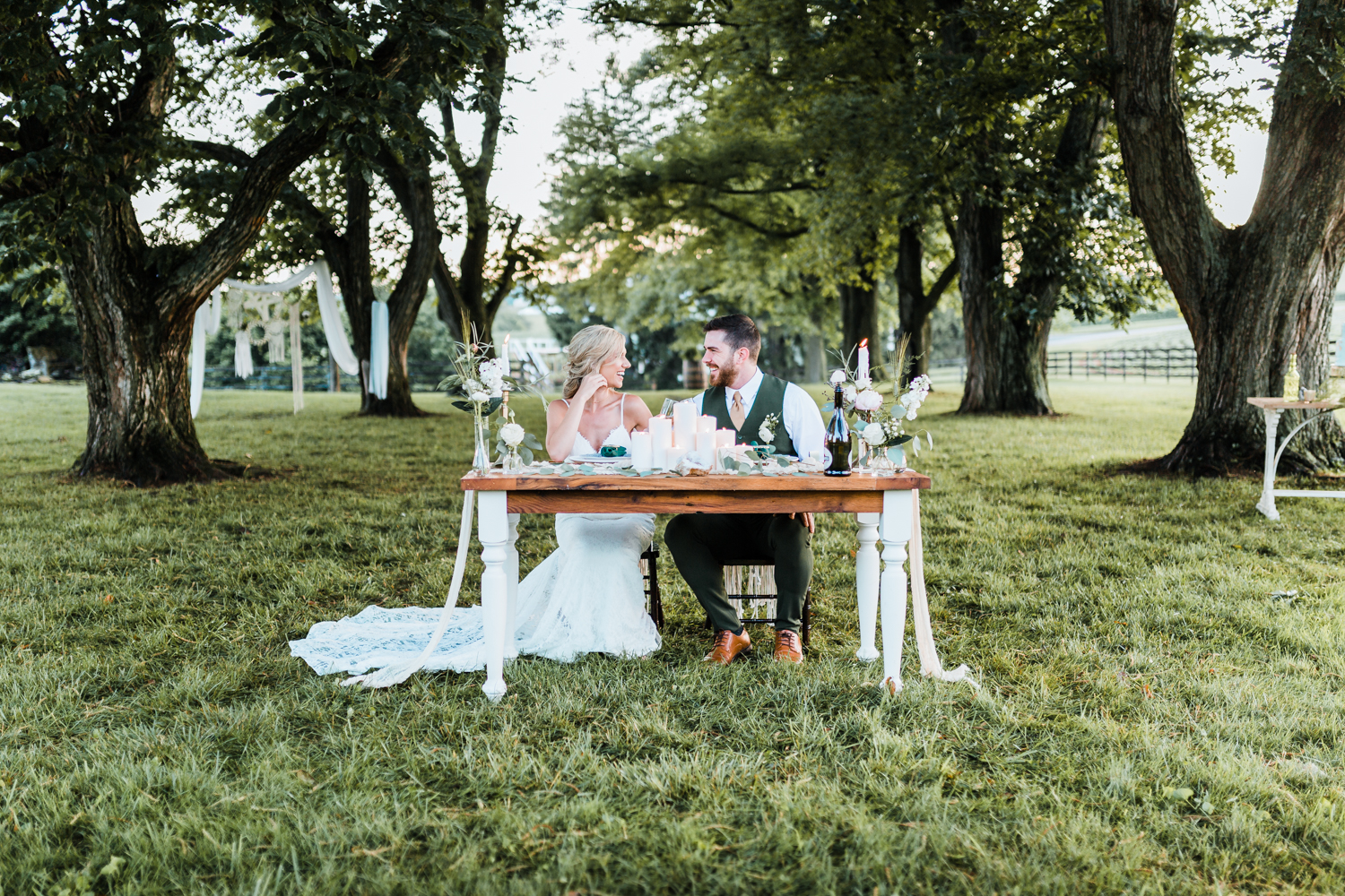 green emerald and gold weddings - styled shoot - geode wedding ideas - cheesecloth table runner