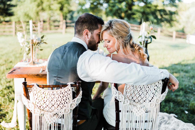 macrame wedding details - emerald and gold weddings - best maryland wedding photographer