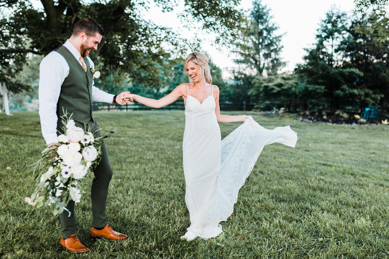 maryland wedding photographer - couple dancing - romantic wedding venues in maryland - lace wedding gown