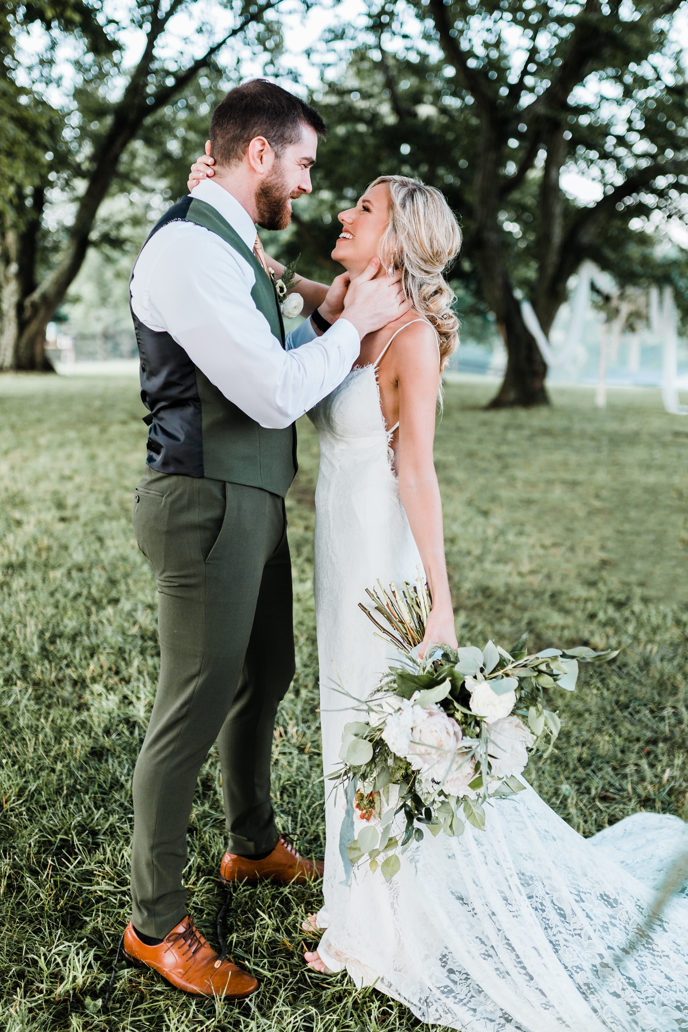 free form bouquet ideas - green and gold wedding ideas - maryland wedding photographer - romantic wedding gown