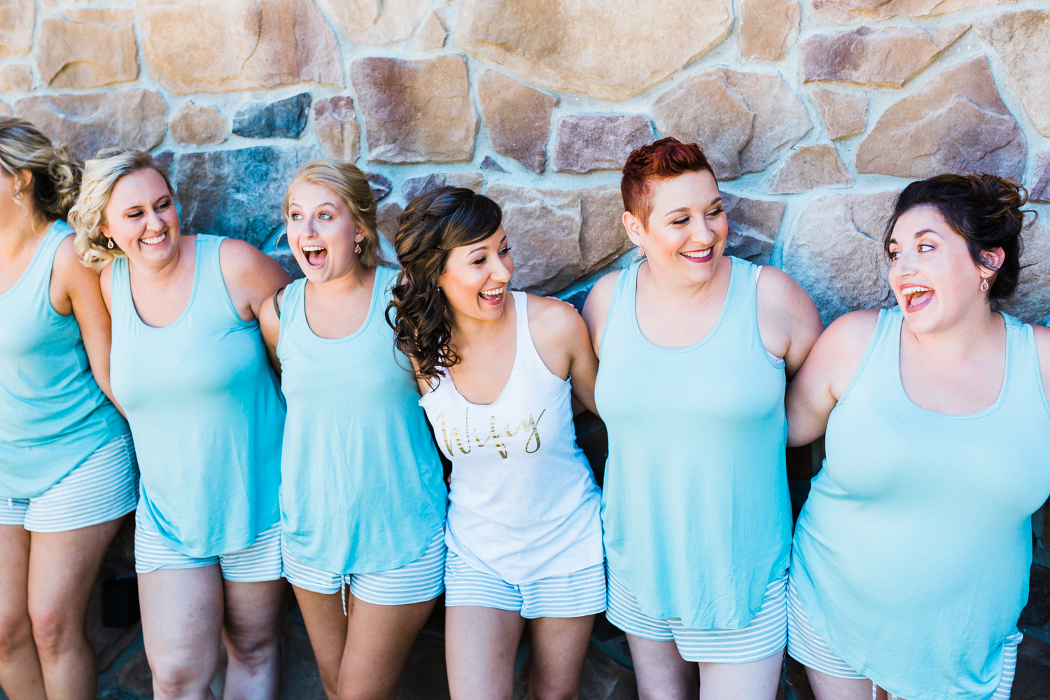 bride and bridesmaids - bridesmaids gifts - mint wedding inspo - pa wedding photographer