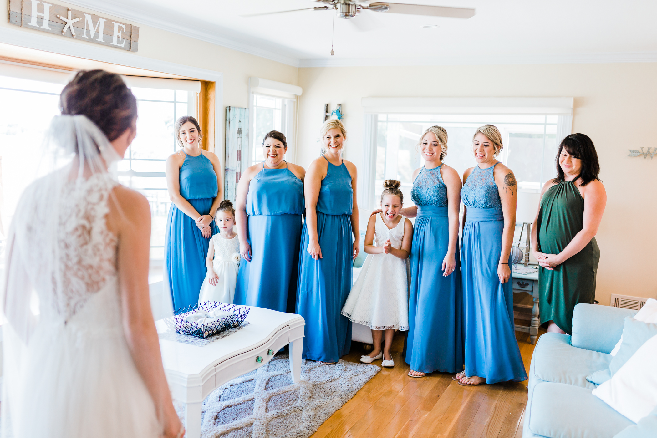 bride and bridesmaids getting ready in pasadena maryland