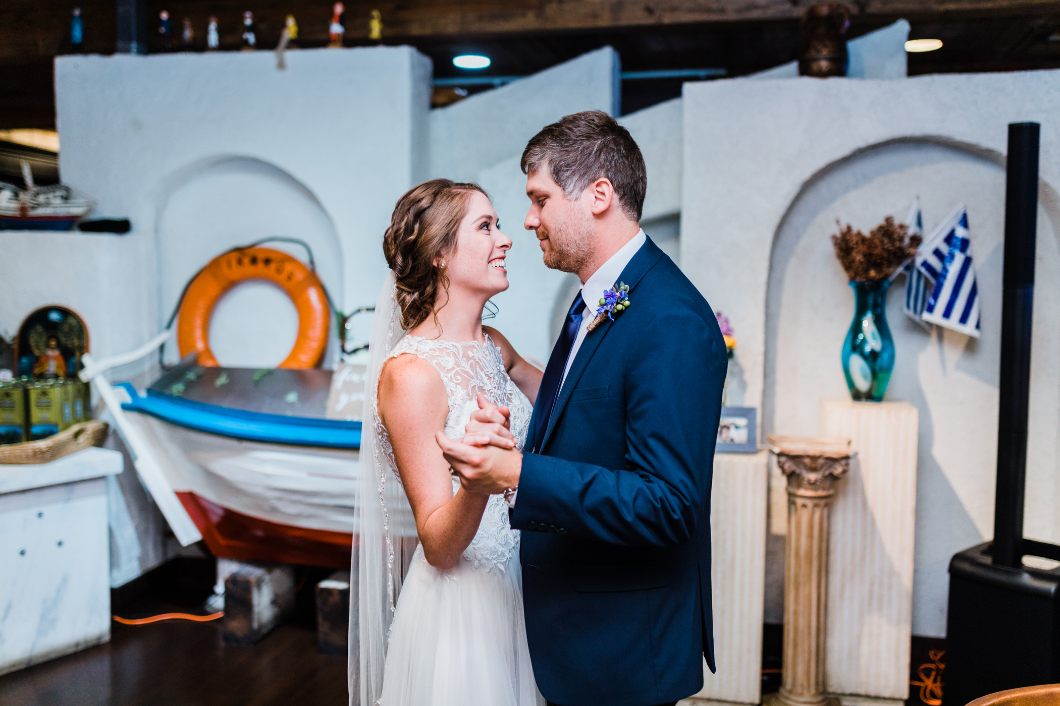 restaurant wedding reception in baltimore maryland - intimate baltimore weddings - md wedding photographer