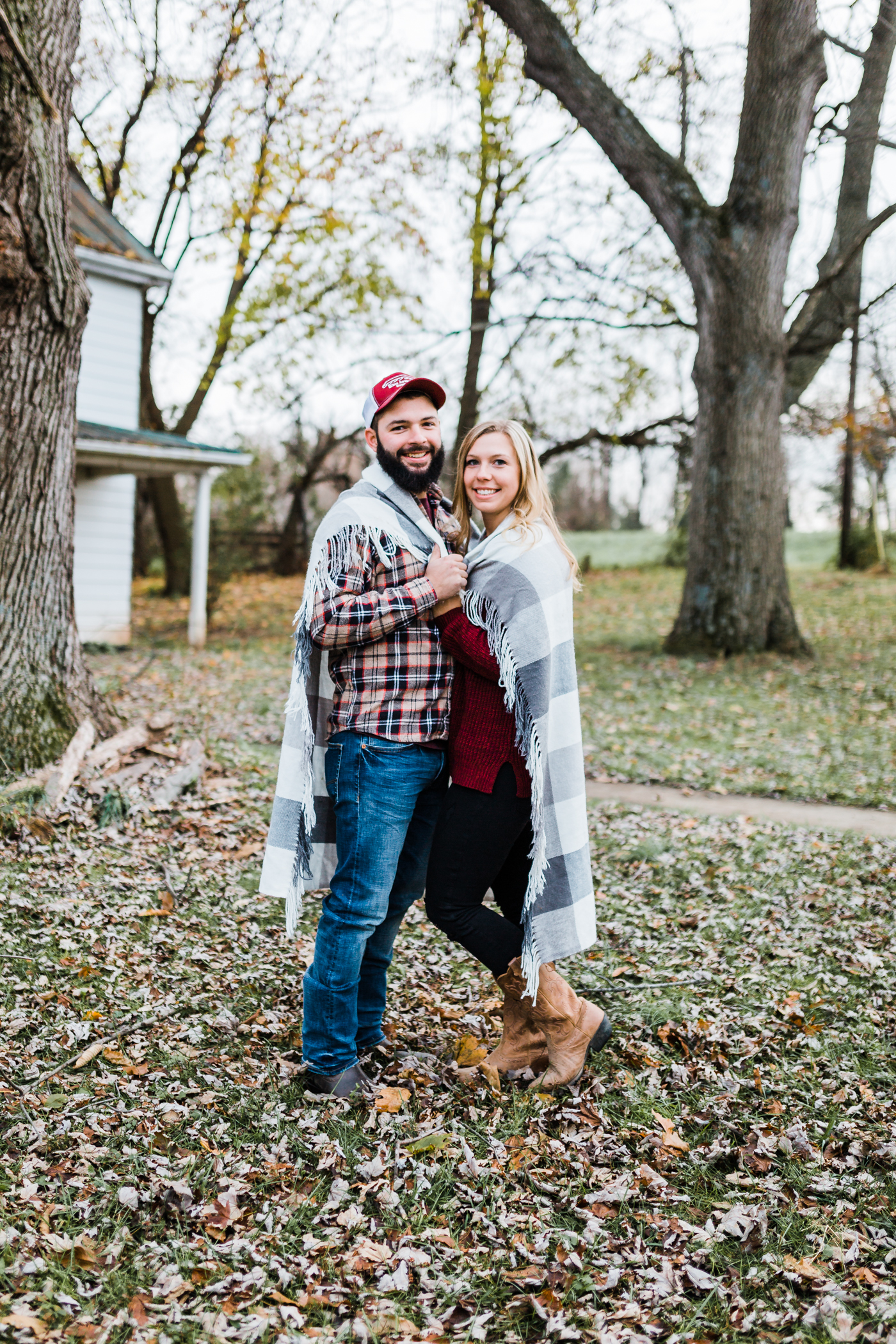 cozy fall engagement session in Maryland