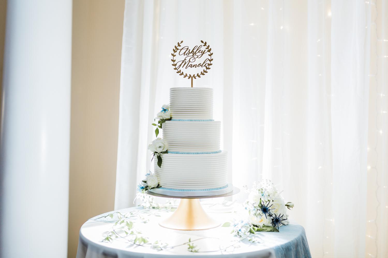 wedding-cake-annapolis-photographer.jpg