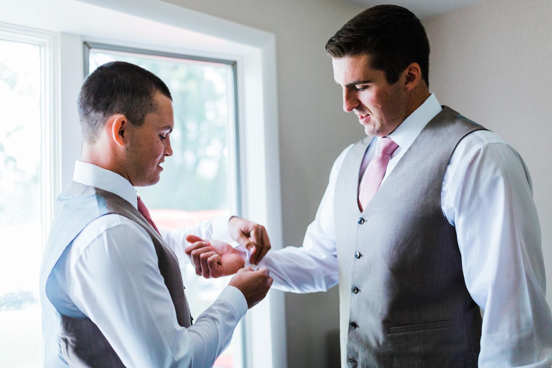 groomsmen getting ready - maryland wedding photographer