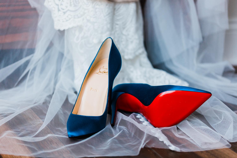 Bride wedding shoes - best MD photographer