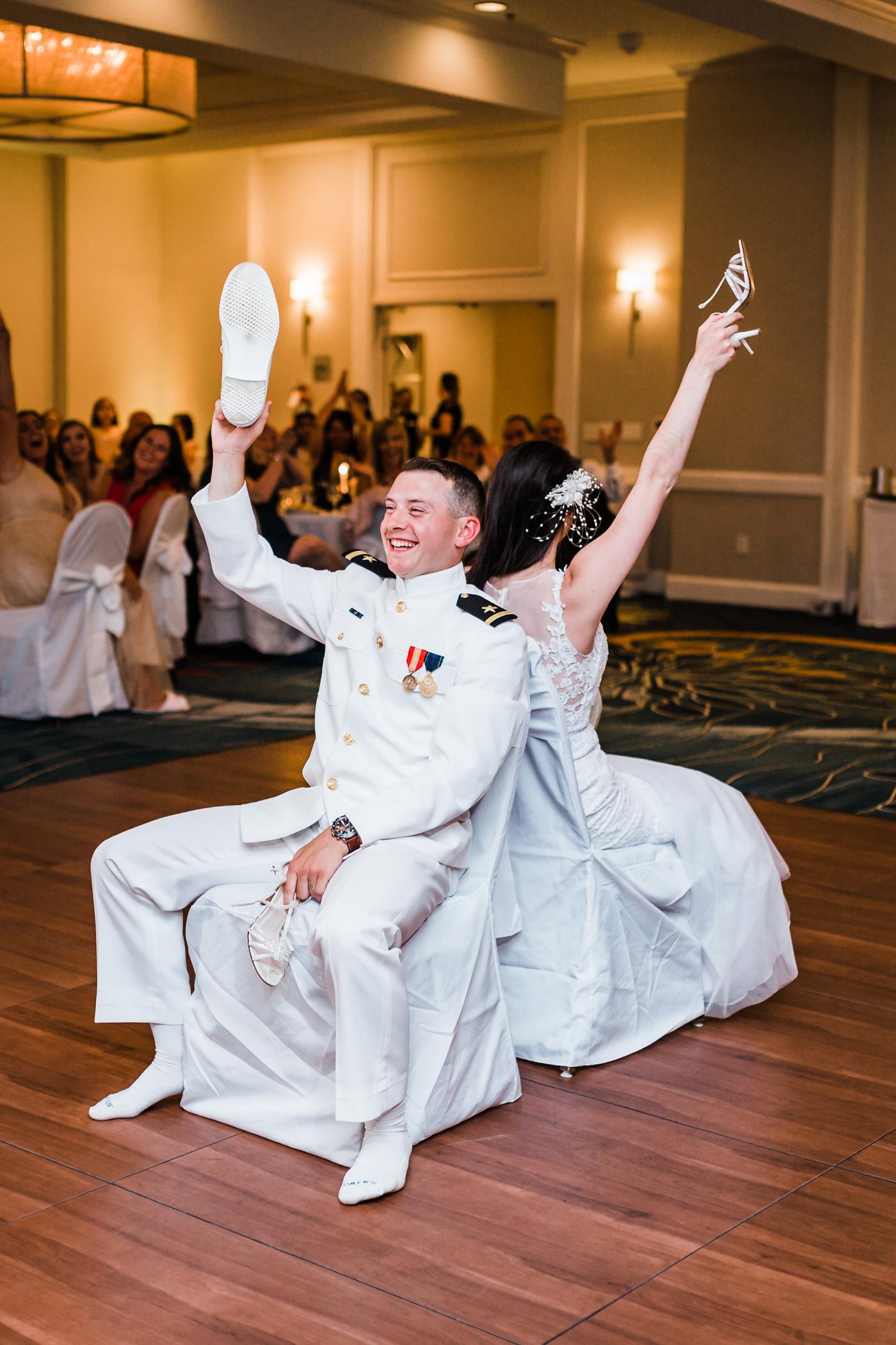 funny-shoe-game-annapolis-wedding.jpg