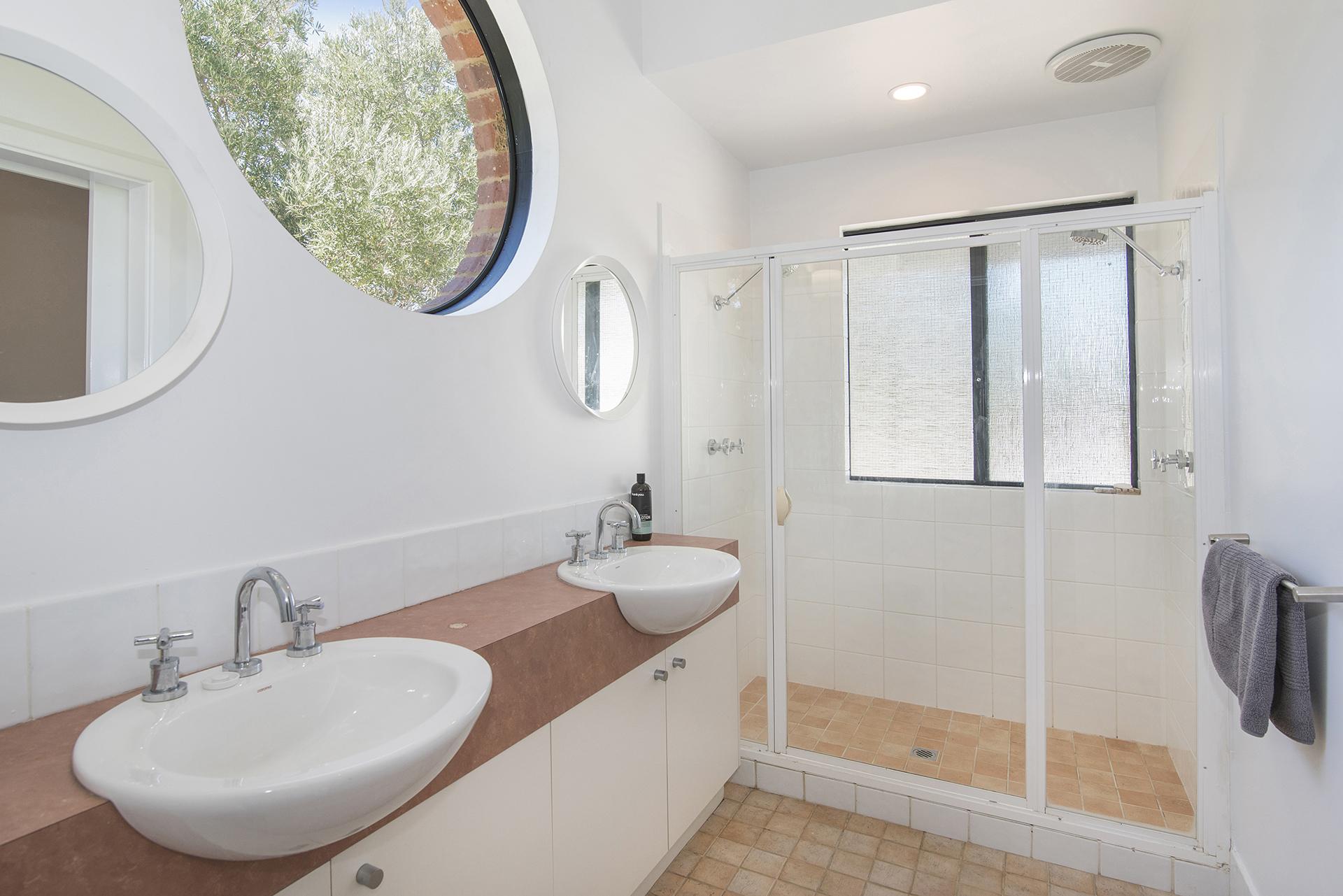 SANDCASTLES BATHROOM 1.jpg