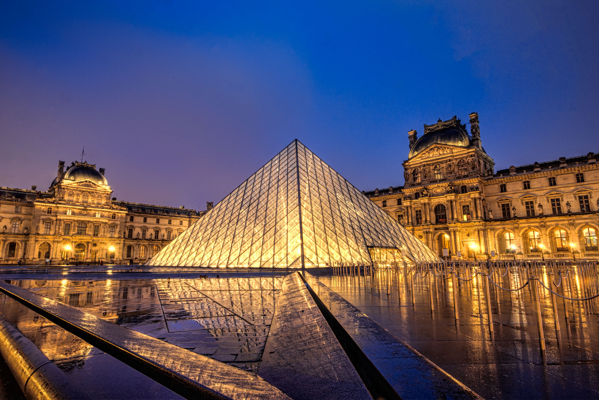 Night view of Louvre pyramid