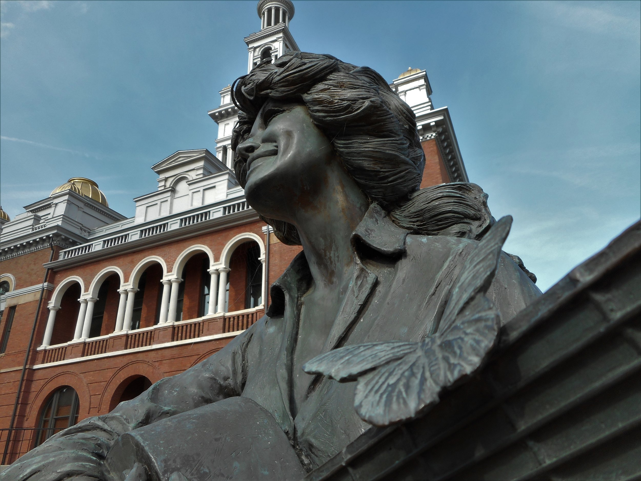 U.S. 441 takes you through Dolly Parton's hometown. Just a couple of blocks off the highway at the Sevier County Courthouse, you'll find this statue.