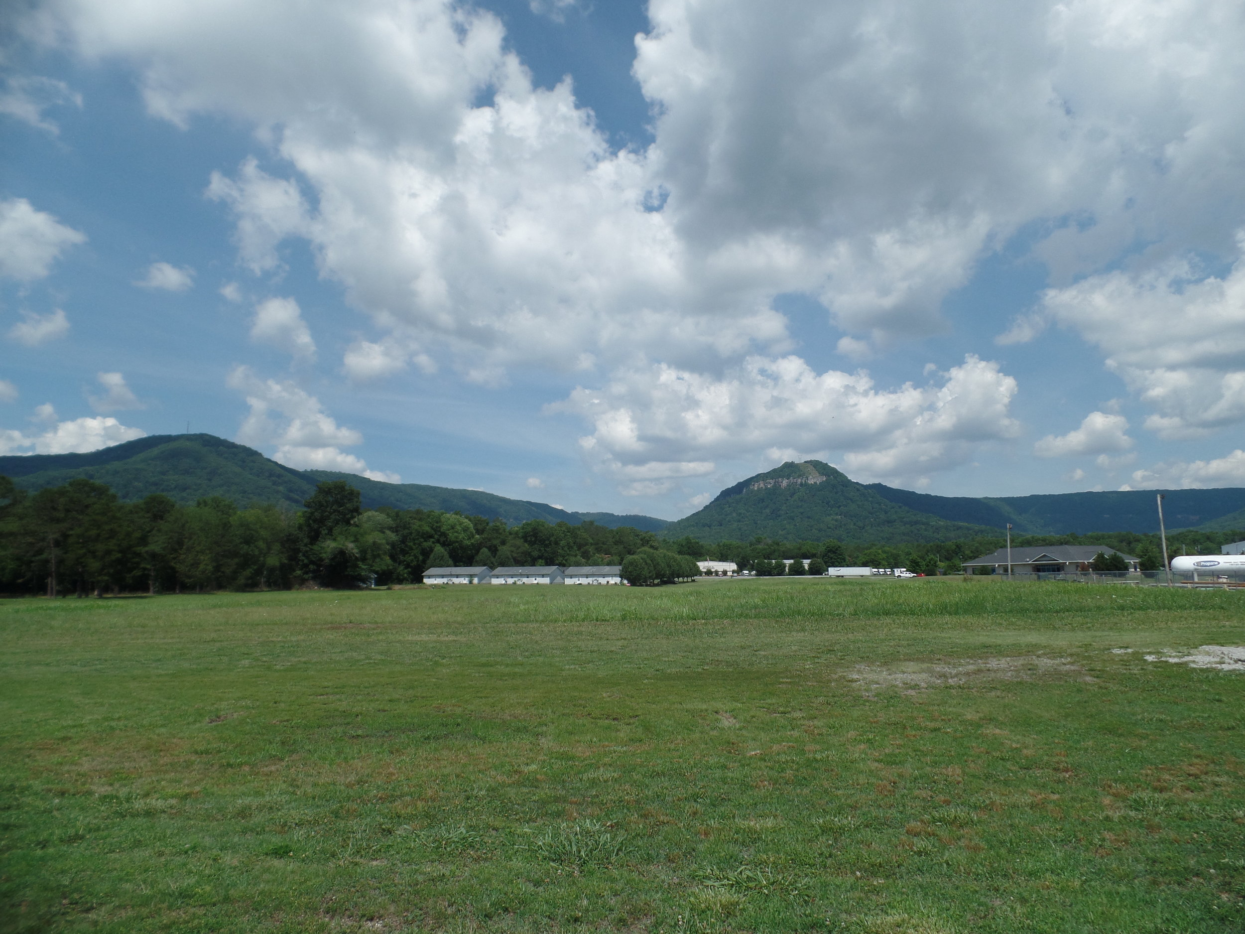 The view of one side of the Sequatchie Valley from near Dunlap.