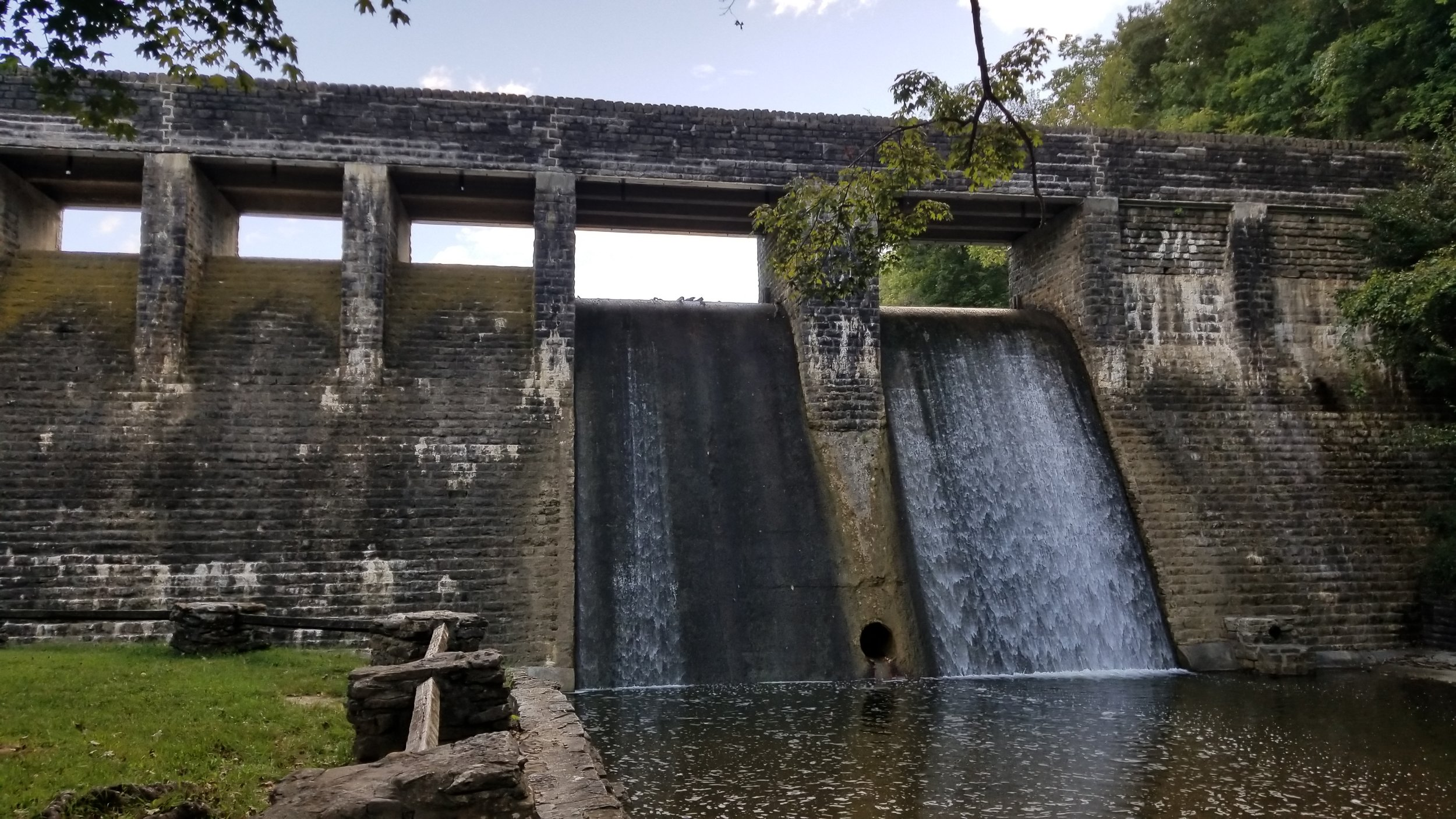 Dam at Standing Stone State Park