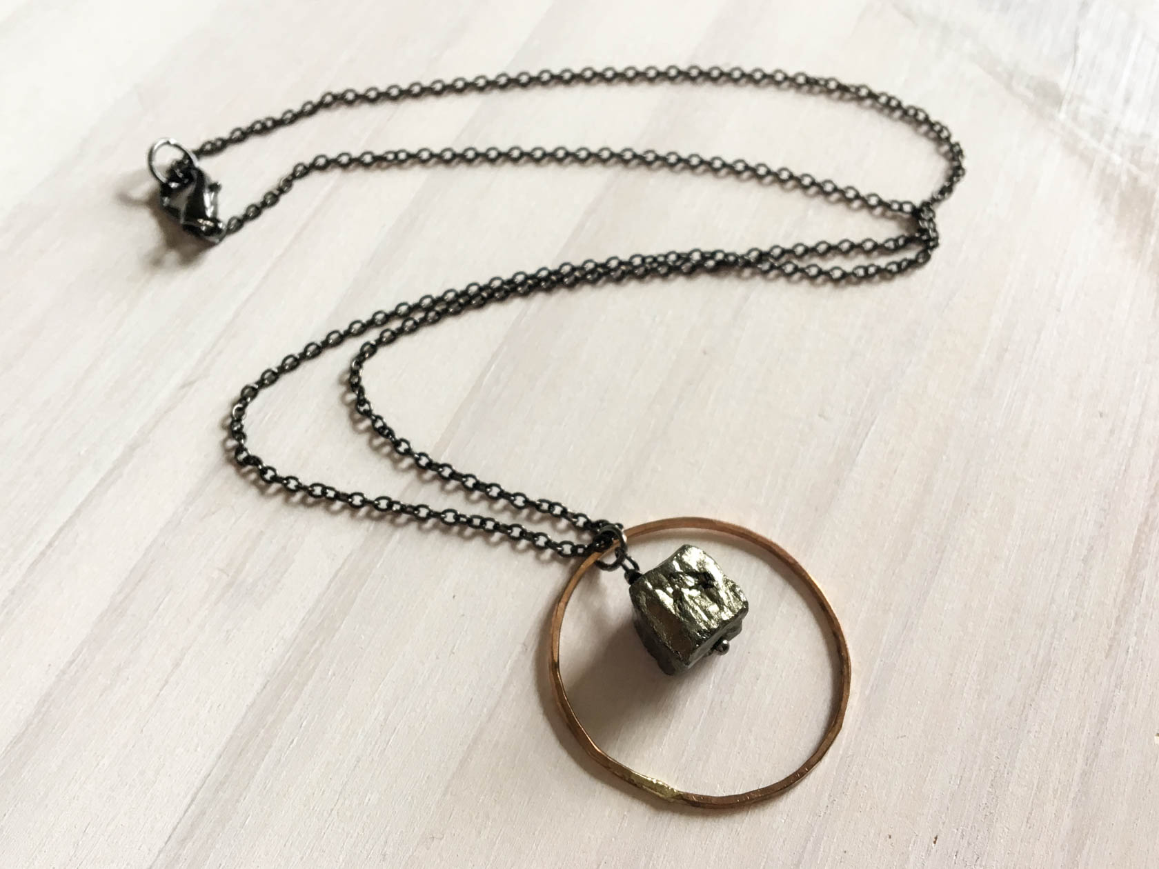 ☽ PYRITE ☾ - ☽ PYRITE ☾ offers protection against negativity and promotes leadership qualities. A great stone to wear when you need confidence and to be a strong leader. It stimulates the intellect and aids the memory.