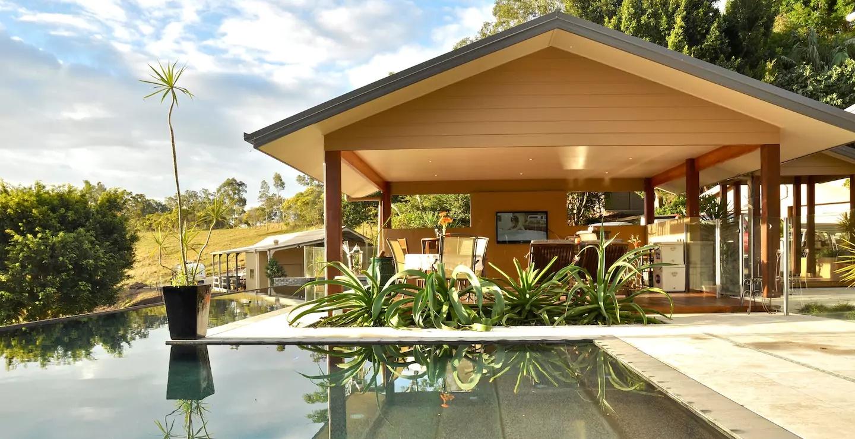Luxury-Gold-Coast-Hinterland-Villa-on-Mount-Nathan-Australia-Airbnb.jpg