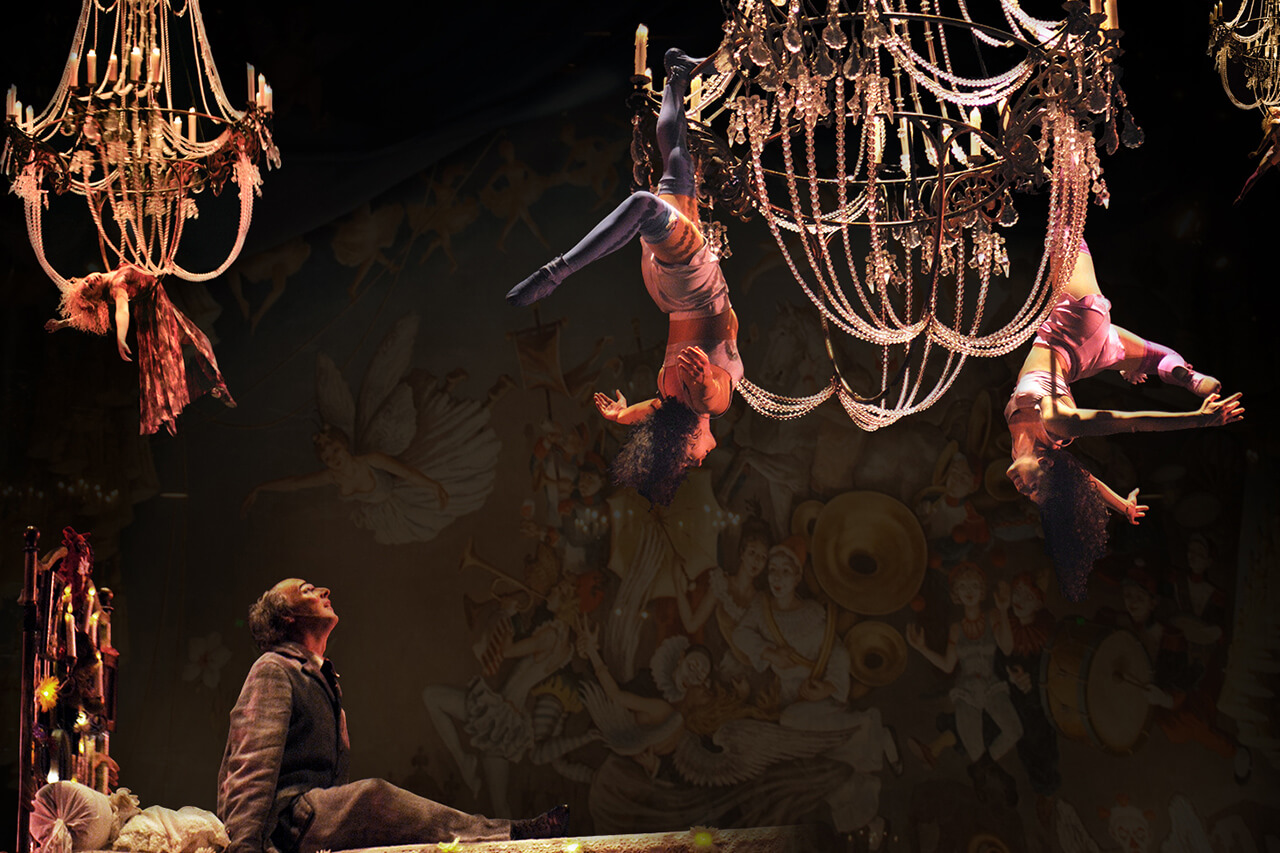corteo-act-aerial-acrobatics-chandeliers.jpg