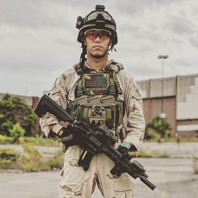 We give thanks to our Lord and savior @dragonflyhaley who blesses this day with God's plaid 🙏🤘🙌🇺🇲🦅 many THOTS were slayed today.  @haleystrategicofficial D3CRM  @lbx.milsim 0300S @oakleystandardissue Alphas @ptssyndicate @centurionarms  CM4 Electric Recoil Gun @mir_tactical Milwaukee Offensive operation #m81 #dcu #loadout #kit #milsim #gearwhoresanonymous #haleystrategic #haleystrategicpartners #centurionarms #ptssyndicate #thotsdestroyed #thotsslayed