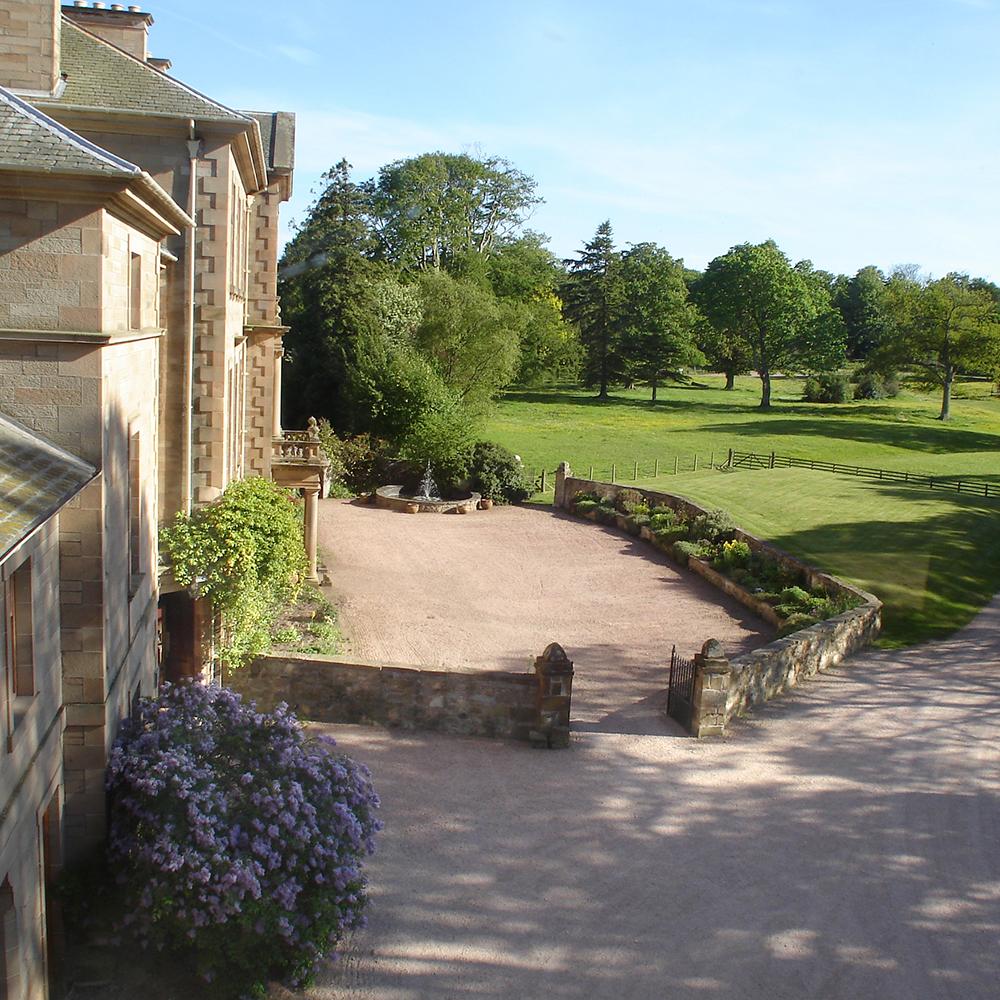 Scottish-wedding-venues-Cambo-Estate1.jpg