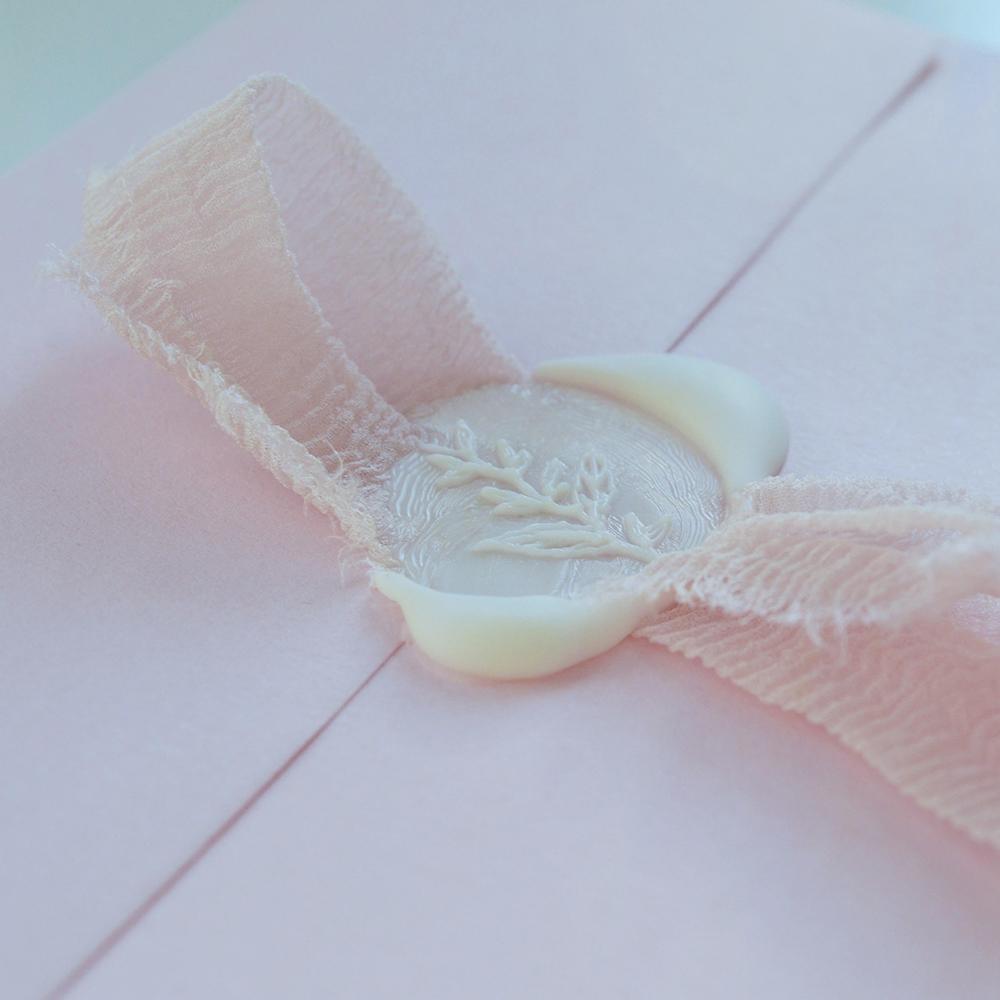 Scottish-wedding-suppliers-wedding-invites-Laila-lettering7.jpg