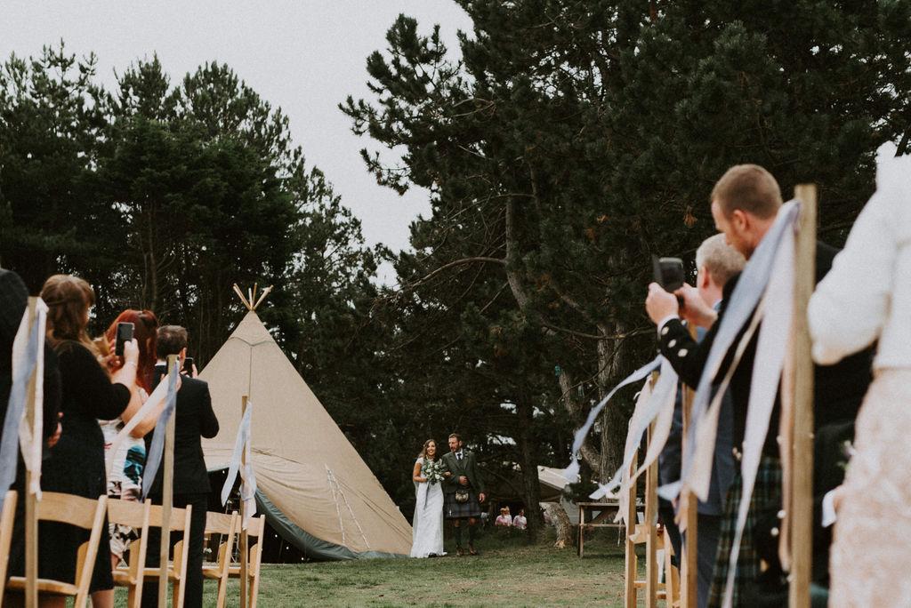 the-log-cabin-ravensheugh-wedding-lavender-and-rose22.jpg