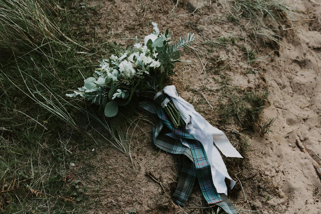the-log-cabin-ravensheugh-wedding-lavender-and-rose31.jpg