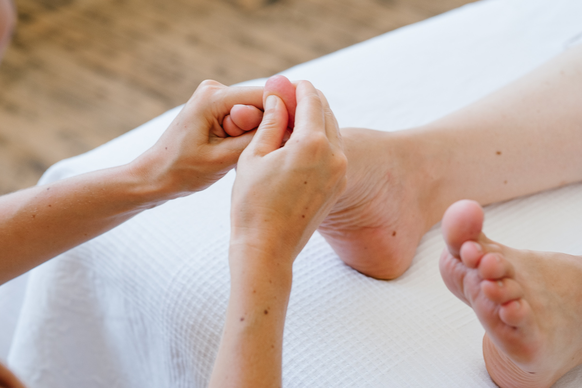 what-is-reflexology-02.jpg