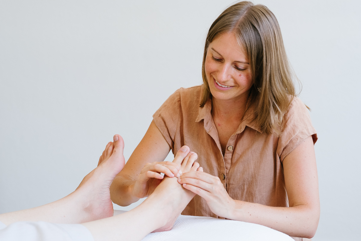 what-is-reflexology-05.jpg