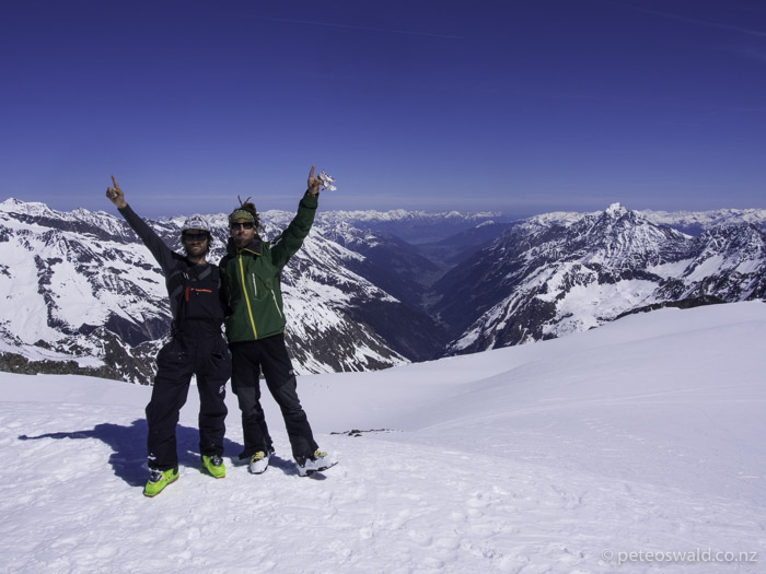 My last day skiing in Austria this winter. Alex and I on top of Pfeffenkogel (3366m) with the Stubai valley and Innsbruck in the background. Photo: a nice old ladyLast day on skis in Austria