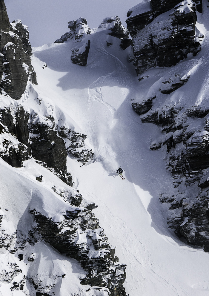 I took a cheeky fresh line over the back of the Saddle Basin. Photo: Lukas Zögernitz